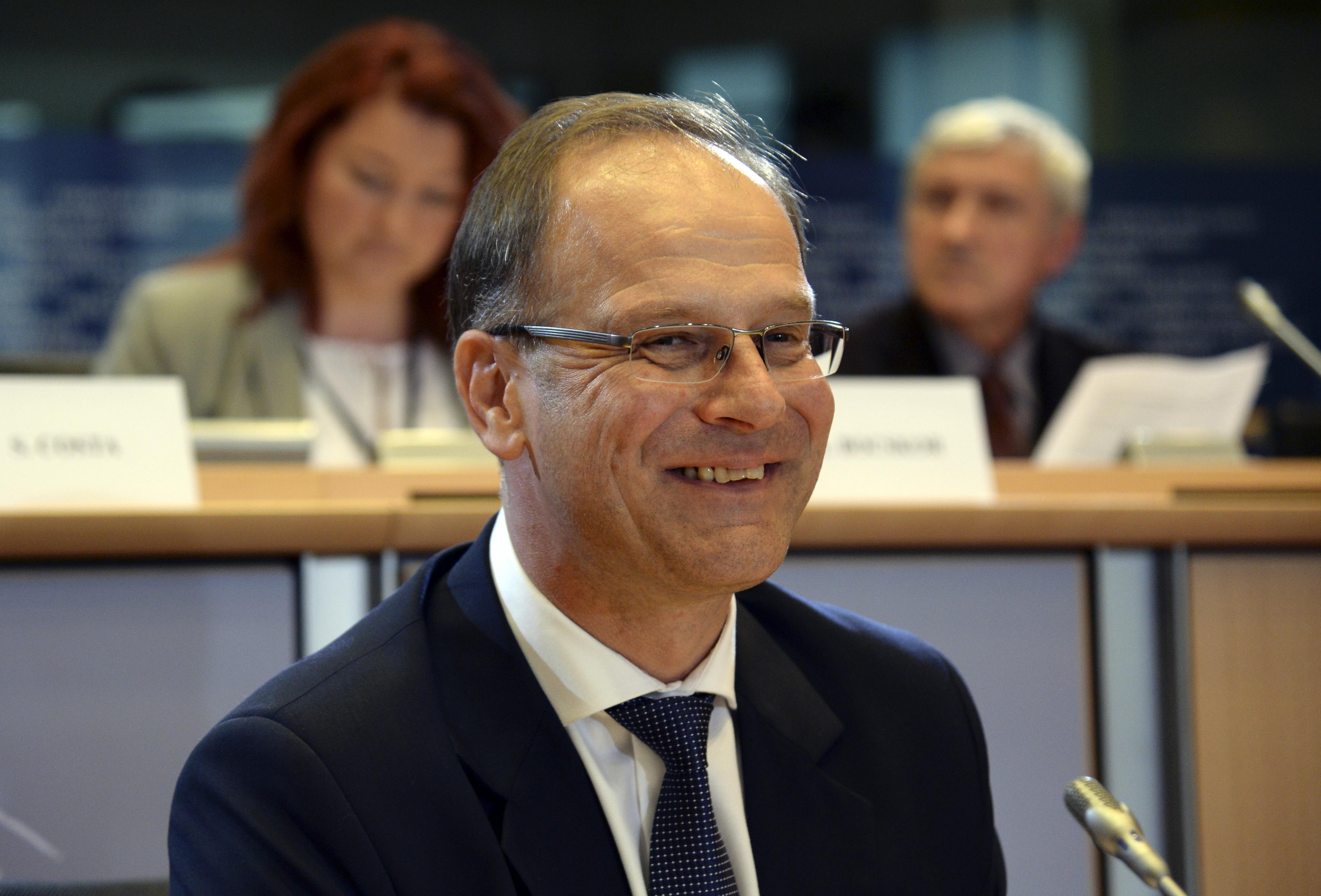 Míg a magyar támogatást megvágná, addig az Erasmus-ösztöndíjakat megduplázná az Európai Bizottság
