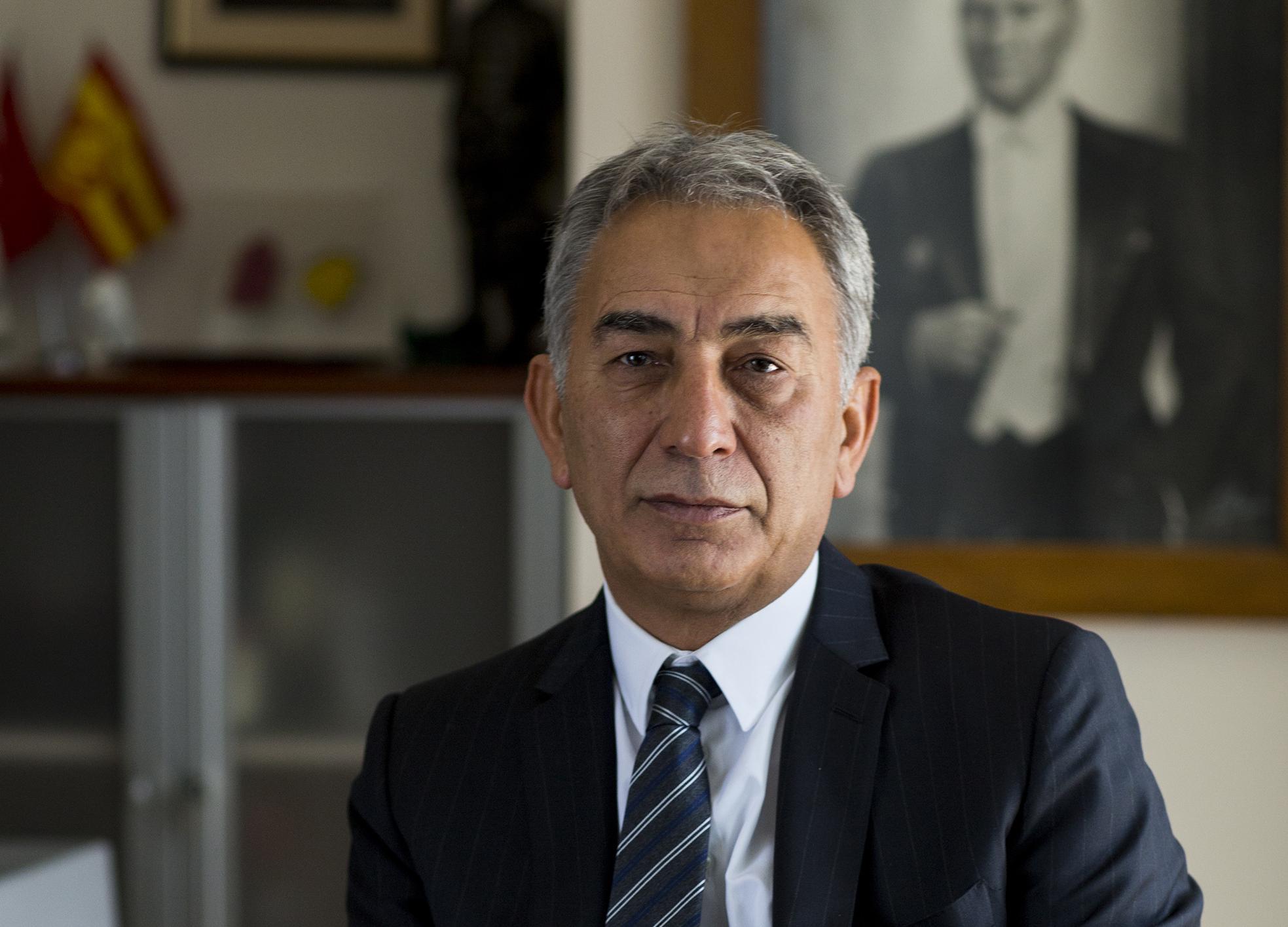 Orbánék kedvenc török milliárdosa napelemekkel rakná tele Magyarországot