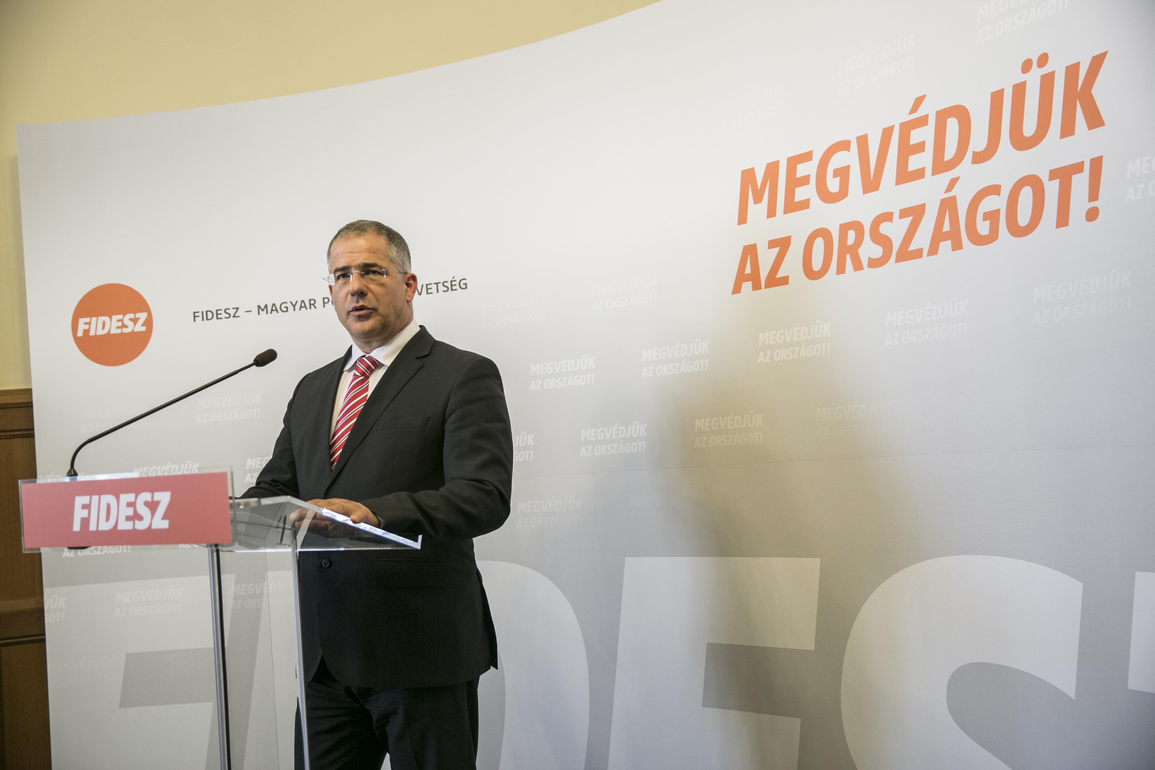Itt tartunk: Kósa Lajos szerint már a fideszes Navracsics Tibor is brüsszeli bürokrata