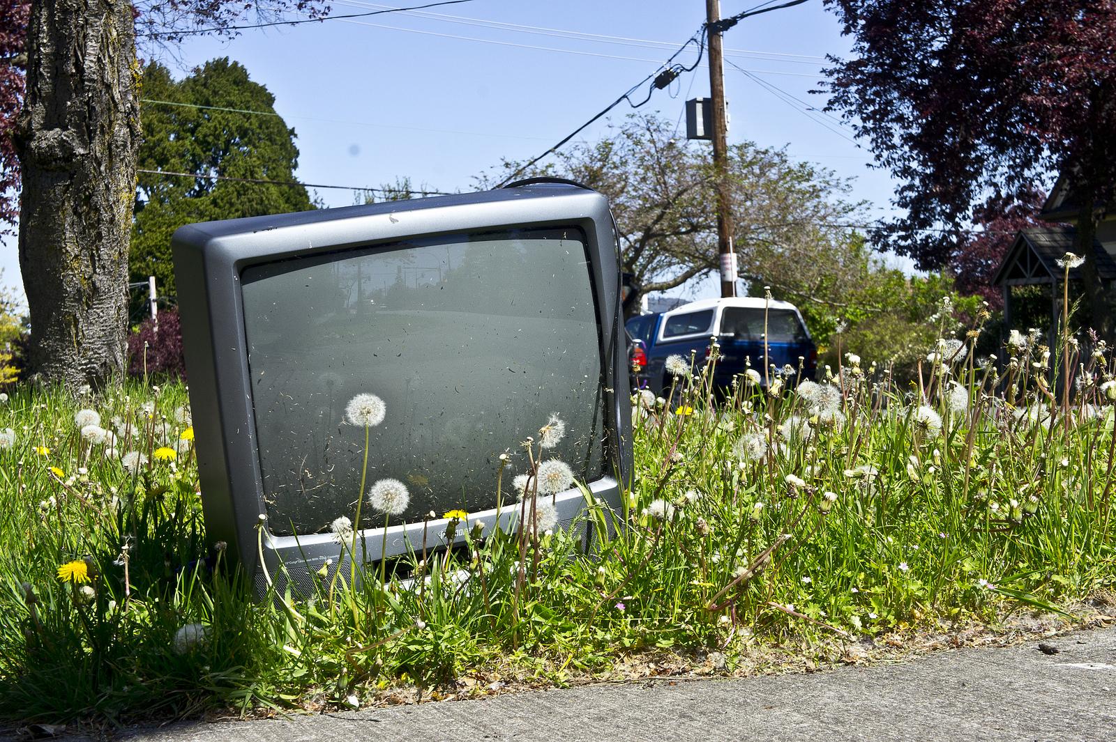 Tévéket adományozott volna kórházaknak, de nekik csak garanciával kell
