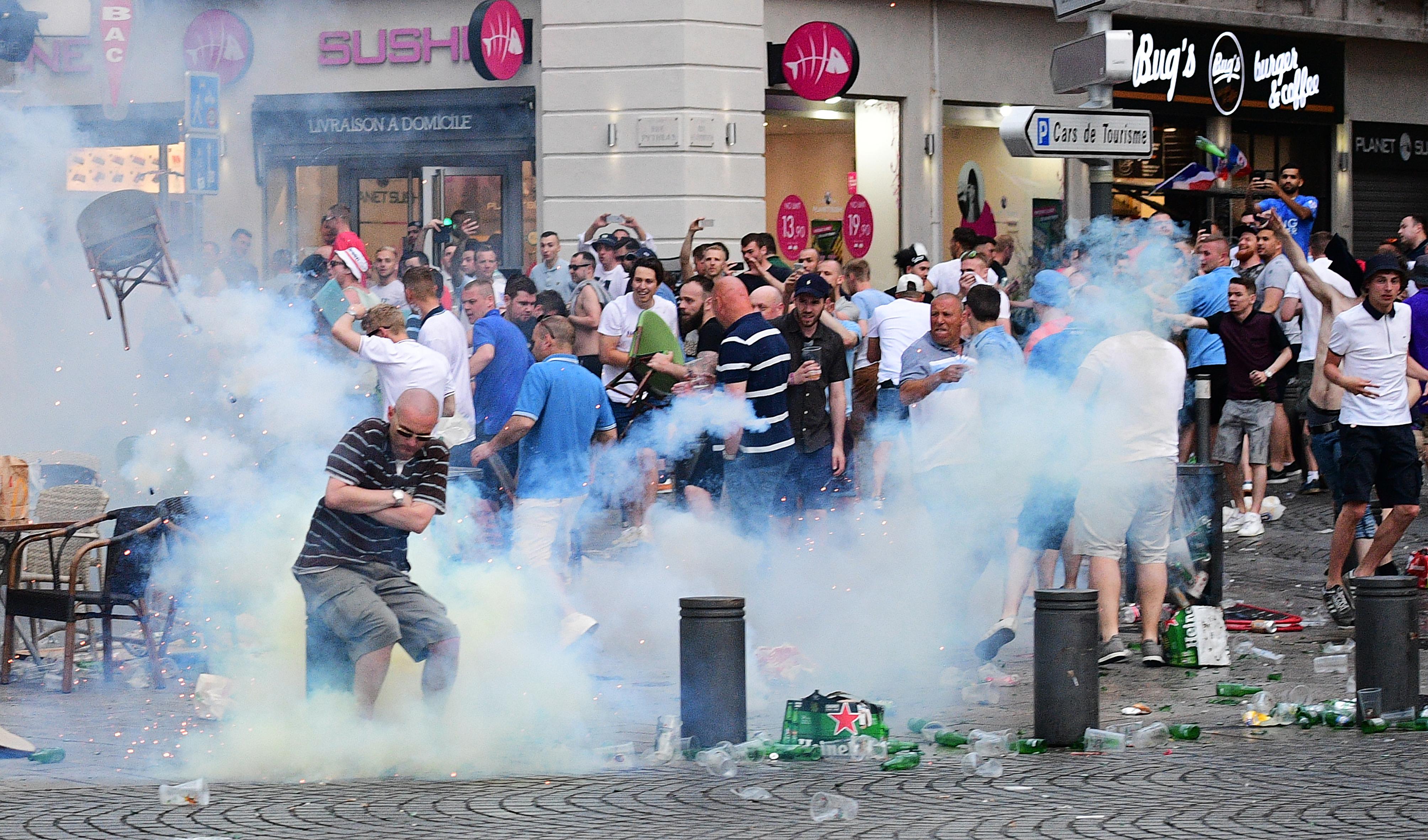 A FIFA szerint a huligánok idióta bajkeverők