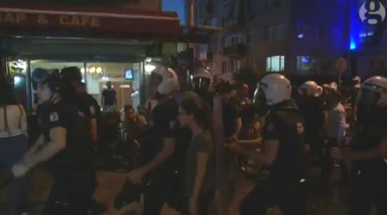 A Radiohead-rajongók nem vették elég komolyan a Ramadánt, török keményvonalasok támadtak rájuk