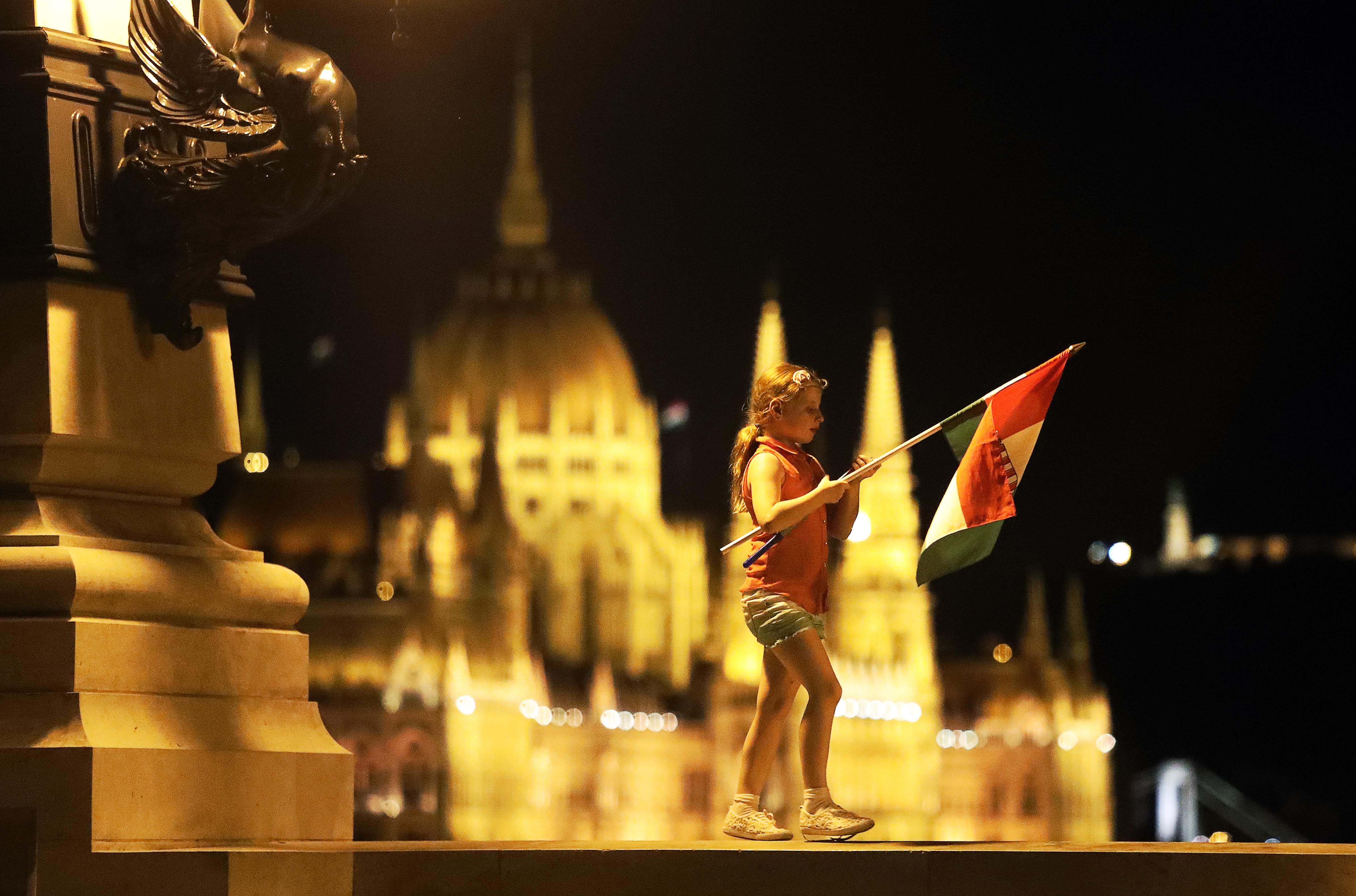 A magyarok 61 százaléka szerint rossz irányba mennek a dolgok