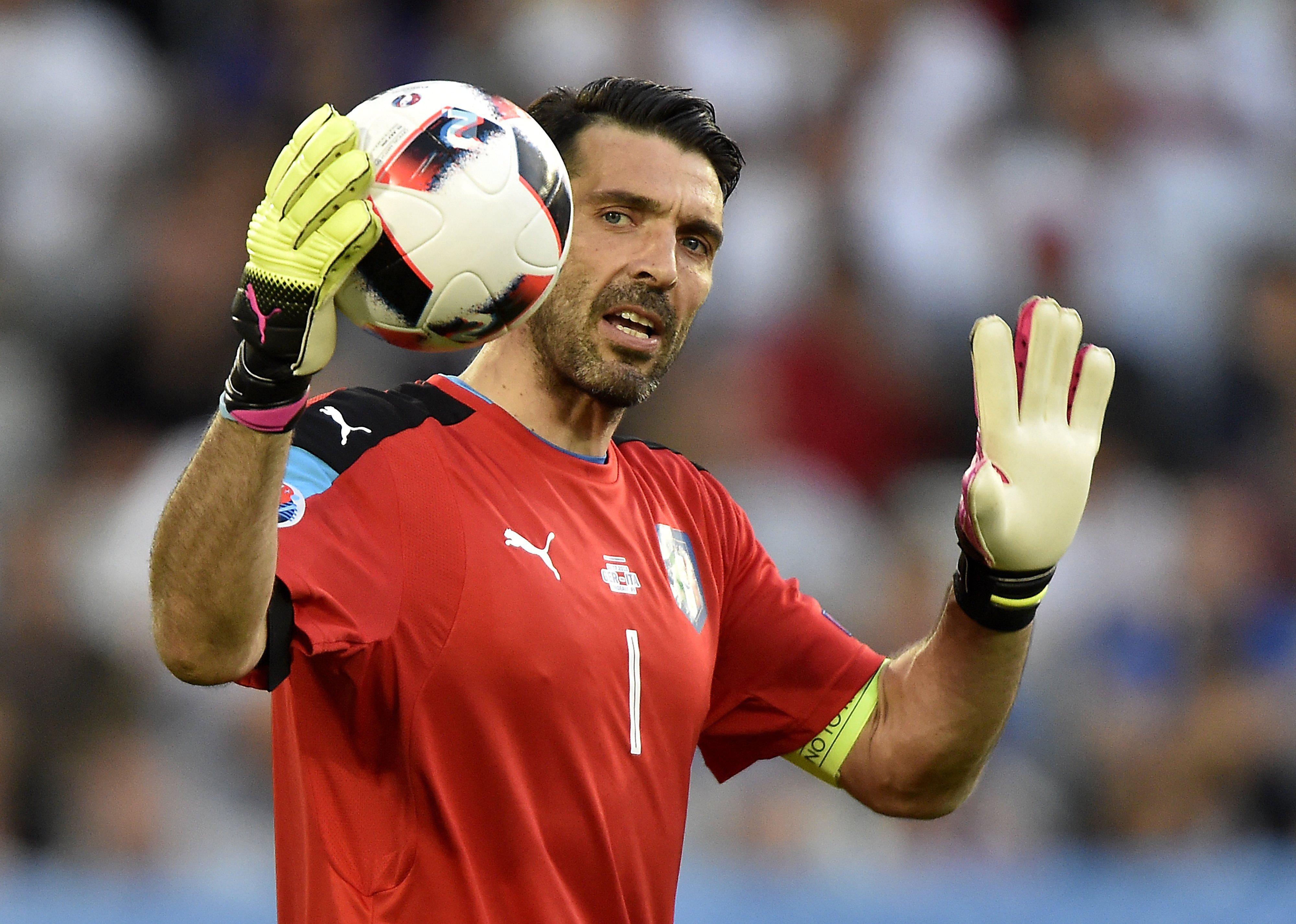 Gianluigi Buffon péntek este hivatalosan is Európa legnagyobb focistája lesz