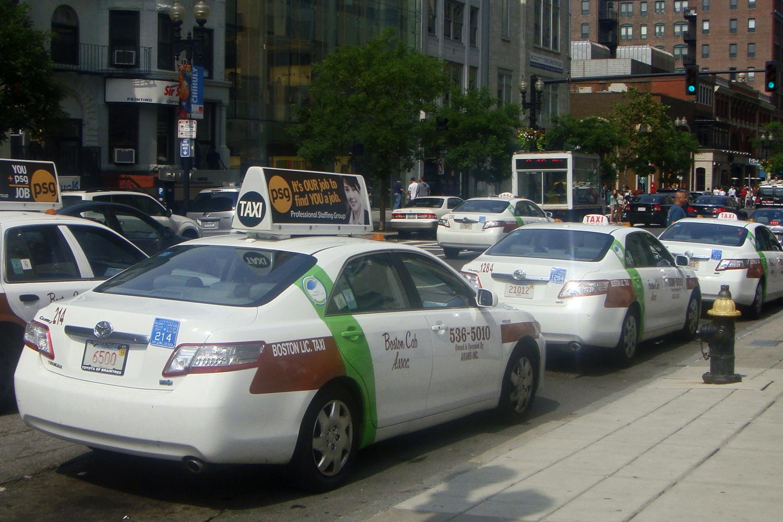 Boston legbecsületesebb taxisa visszavitt 187 ezer dollárt jogos tulajdonosának, de nem pont azt kapta érte, amire számított