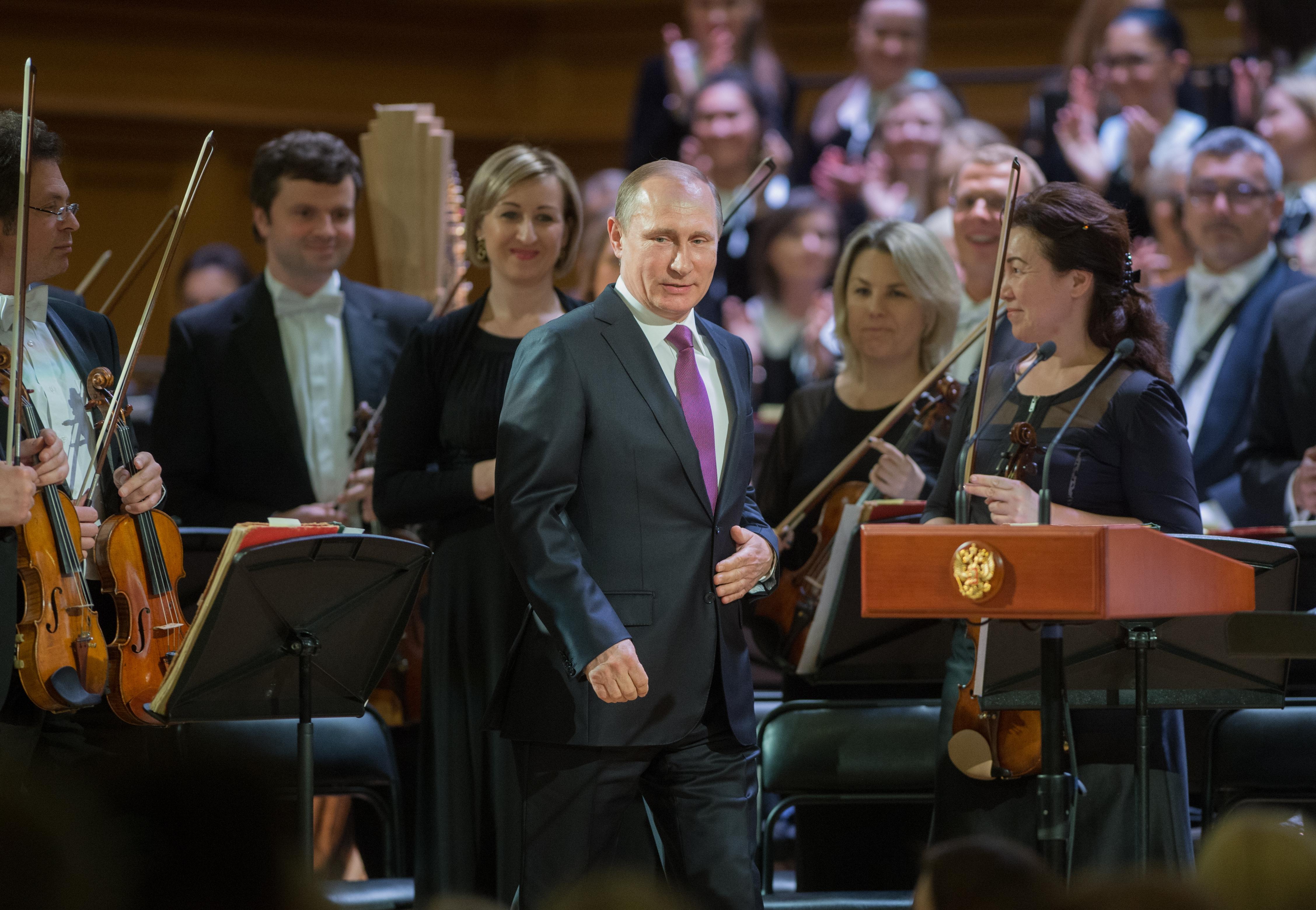 Moszkvából szóltak le Szijjártóéknak, hogy ne szívassák tovább a Fesztiválzenekart