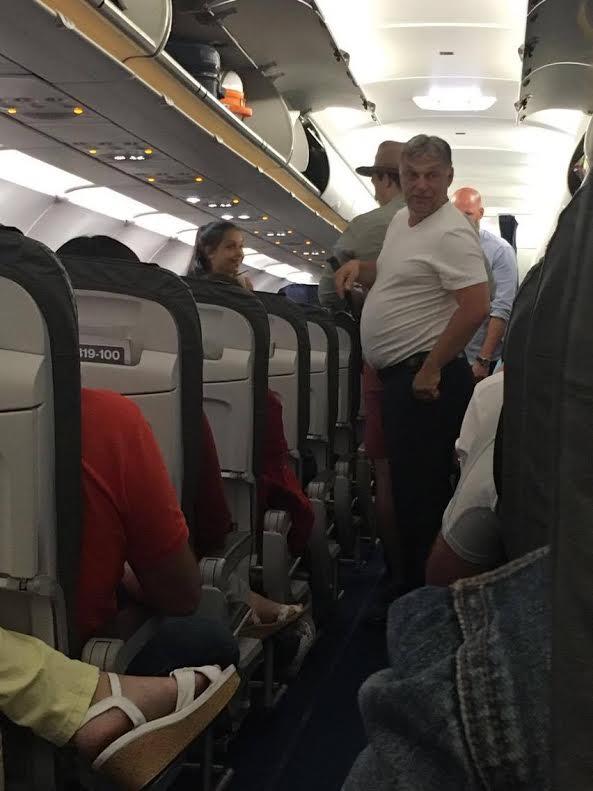 Müncheni járaton fotózták ma Orbán Viktort