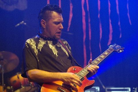Meghalt a Németh László, a VHK gitárosa