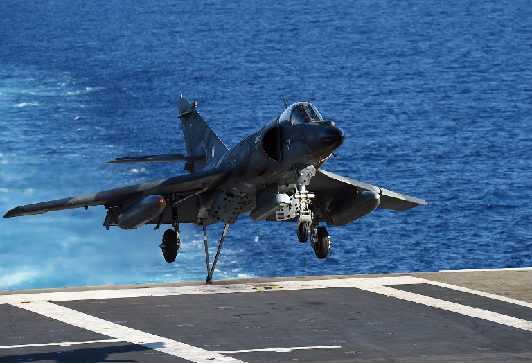 Hollande katonai választ adott a nizzai merényletre