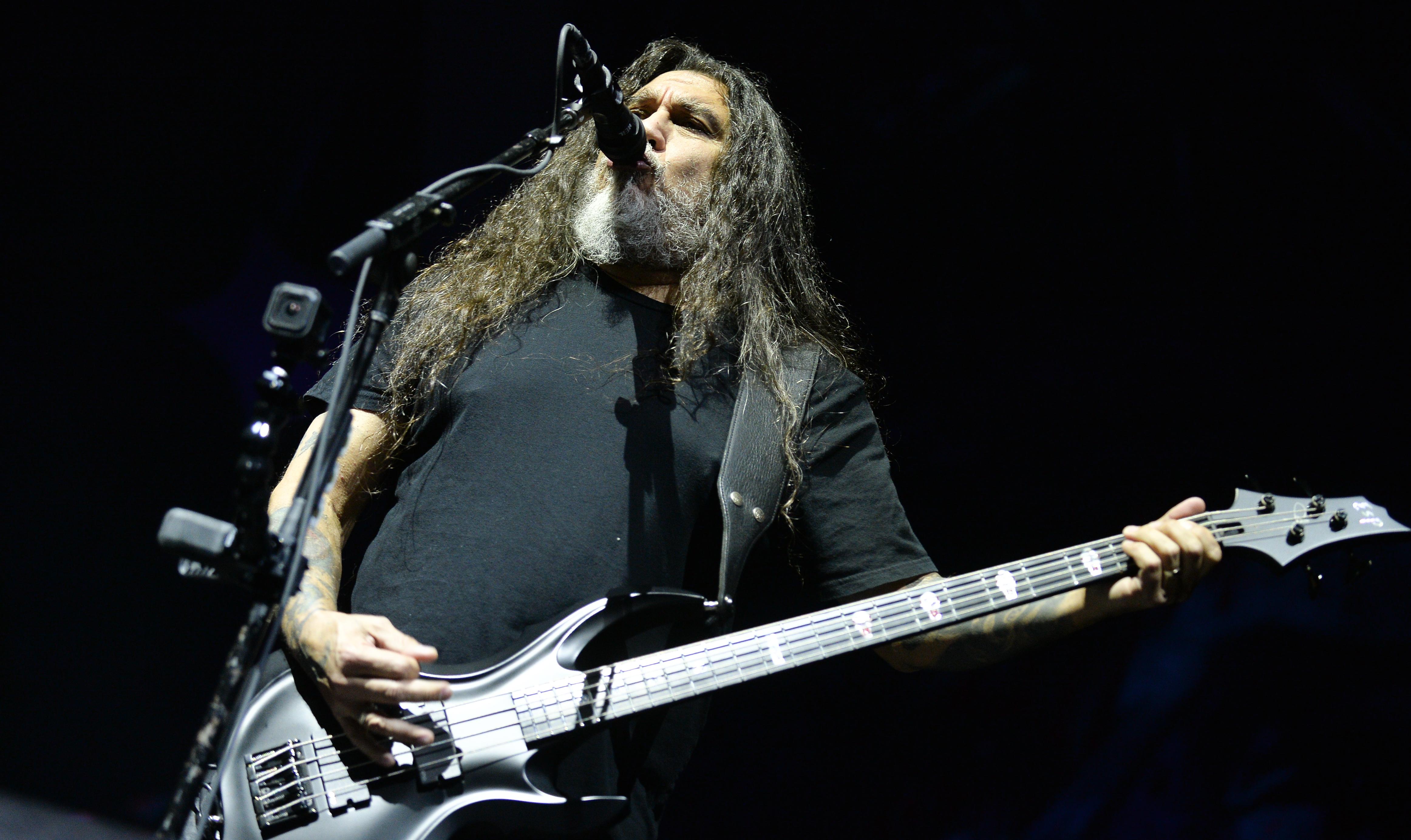 Kidobtak egy nézőt a Slayer koncertjéről, mert leköpte az énekest