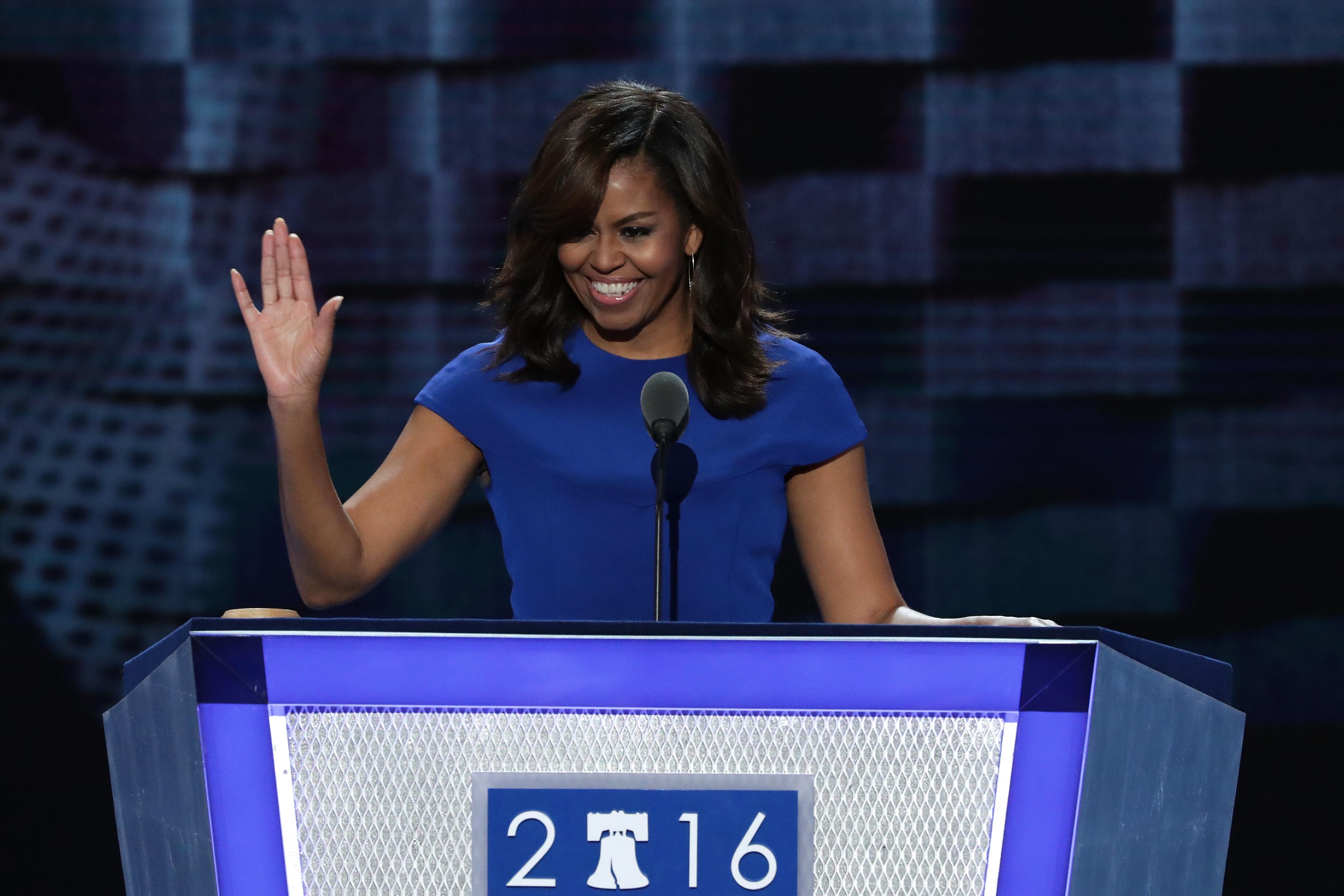 Michelle Obama szenvedélyes beszédben állt ki Hillary Clinton mellett