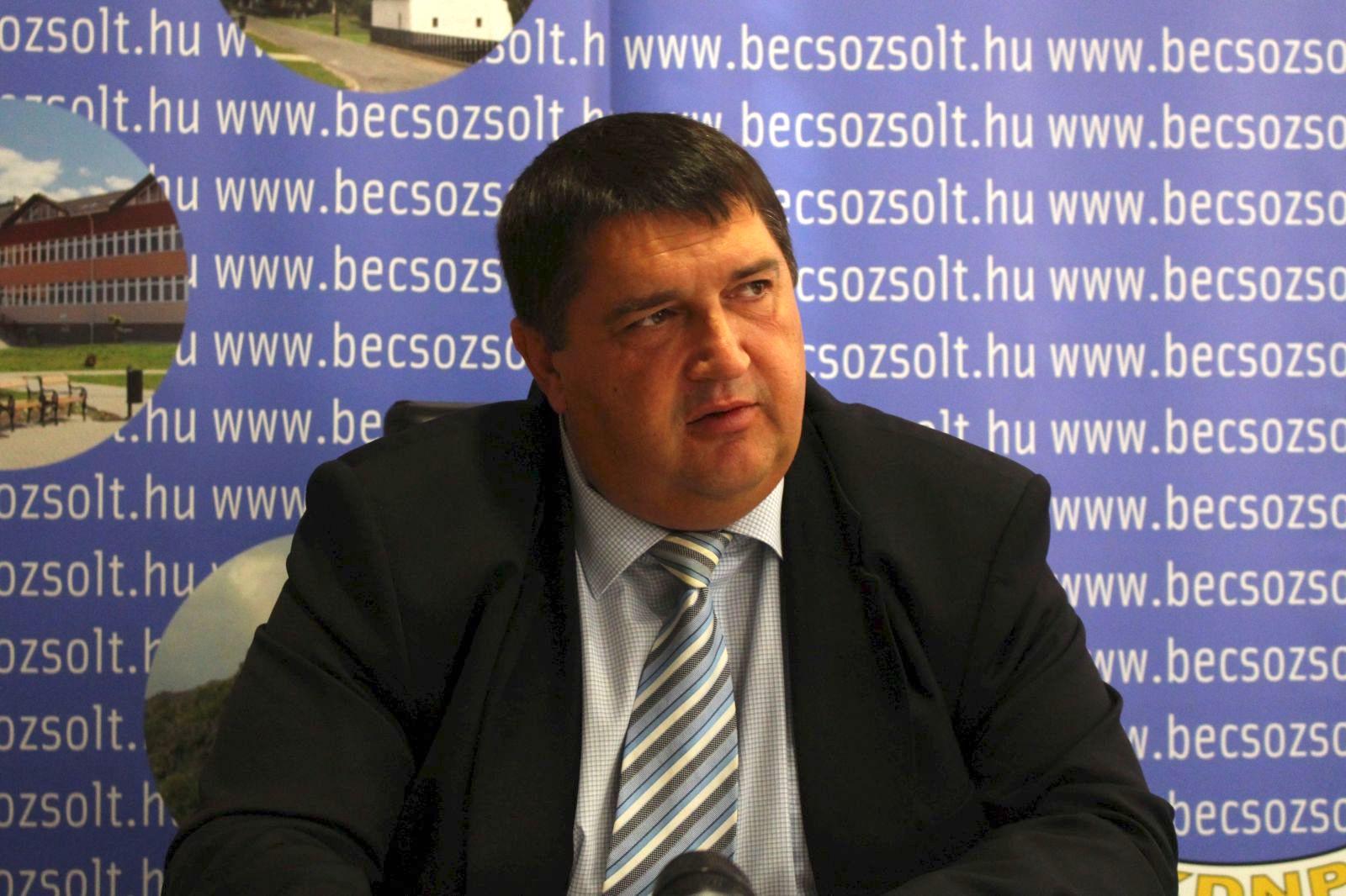 Becsó Zsolt azt állítja, hogy már eladta az engedélynélküli szállodát üzemeltető cégét