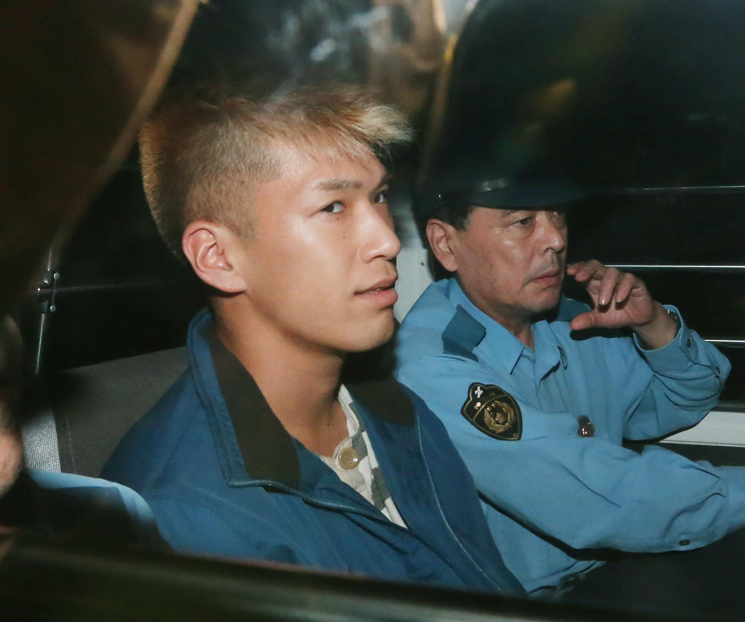 Mosolygott és nem bánta meg tettét a fogyatékkal élőket meggyilkoló japán férfi