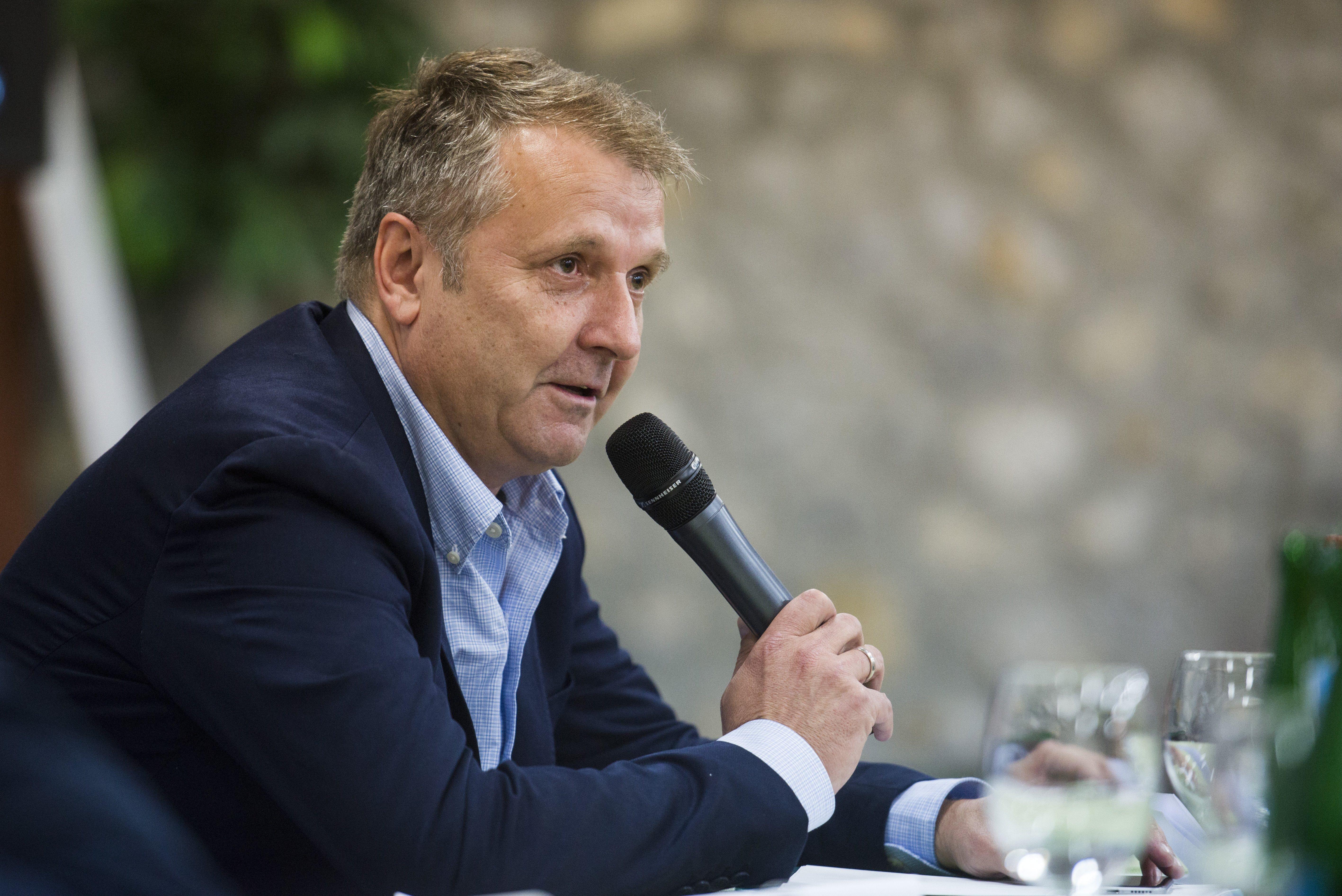 A DK színeiben indul az előválasztáson Molnár Gyula, az MSZP korábbi elnöke