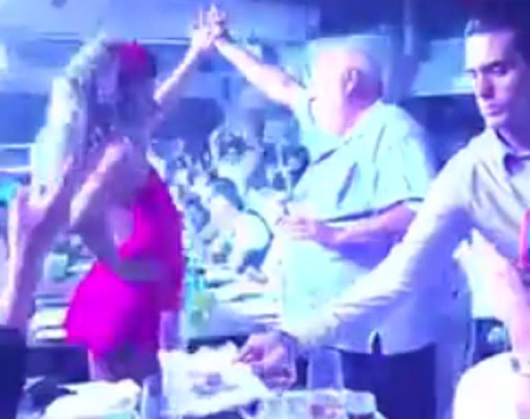 Vajna Tímea kőkeményen nekiment a nőverő Johnny Deppnek, aki Andy Vajna karja alatt szórakozott Ibizán