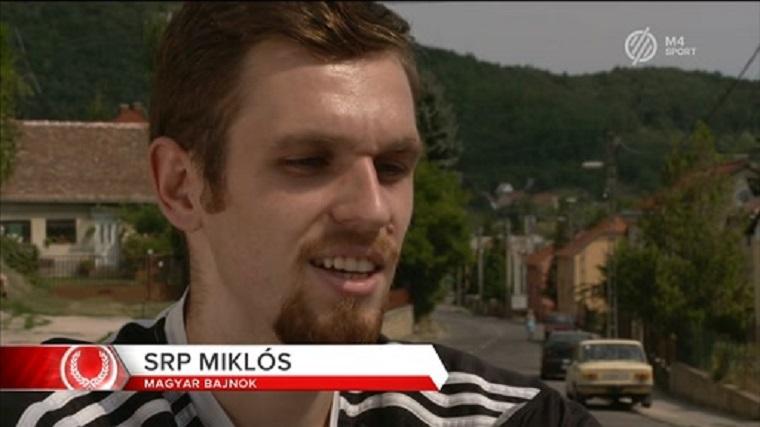Mássalhangzótorlódás-rajongók, figyelem: pályán a magyar Srp Miklós