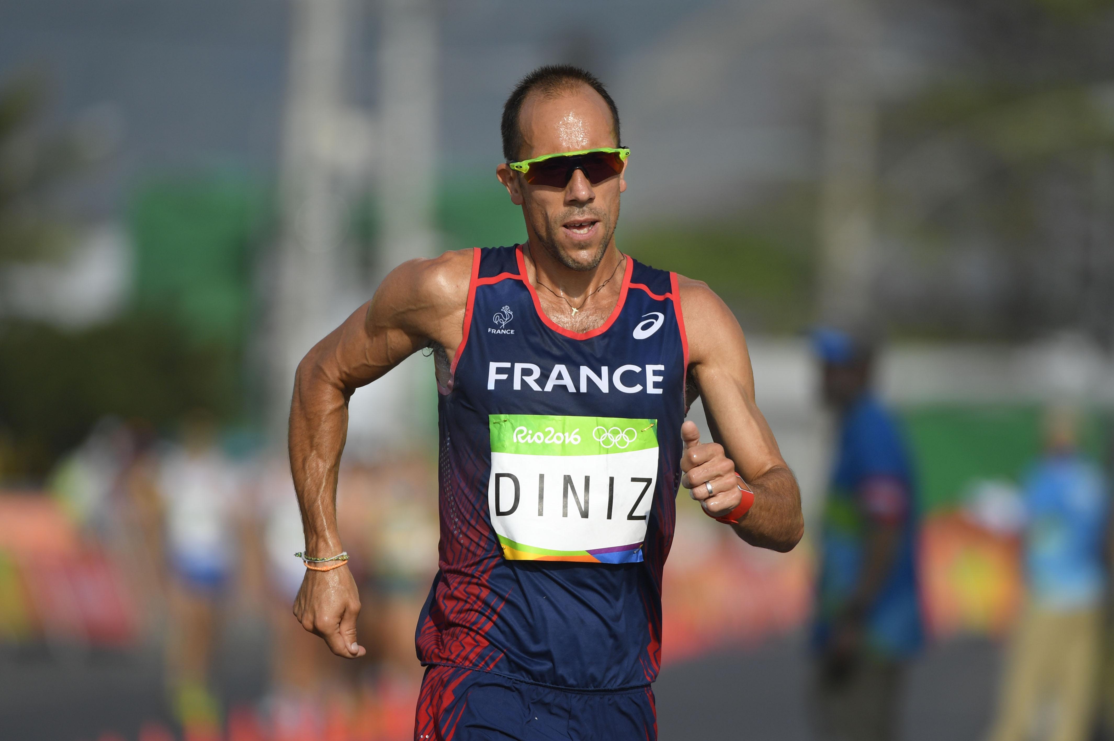 Az olimpia legnagyobb drámai hőse: a világcsúcstartó Yohann Diniz összefosta magát az 50 km-es gyalogláson, de nem adta fel