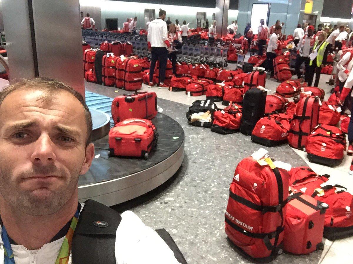 Hatalmas mókamester volt, aki minden brit olimpikonnak ugyanolyan piros bőröndöket adott