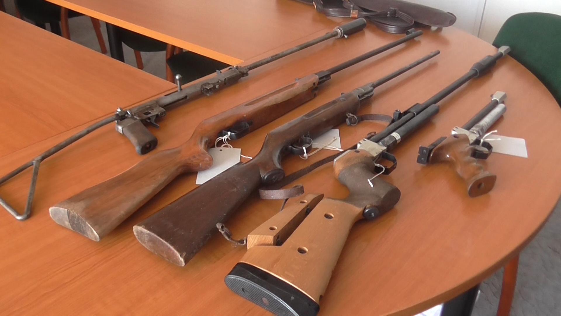 Fegyvereket is találtak egy cserbenhagyásos gázolónál