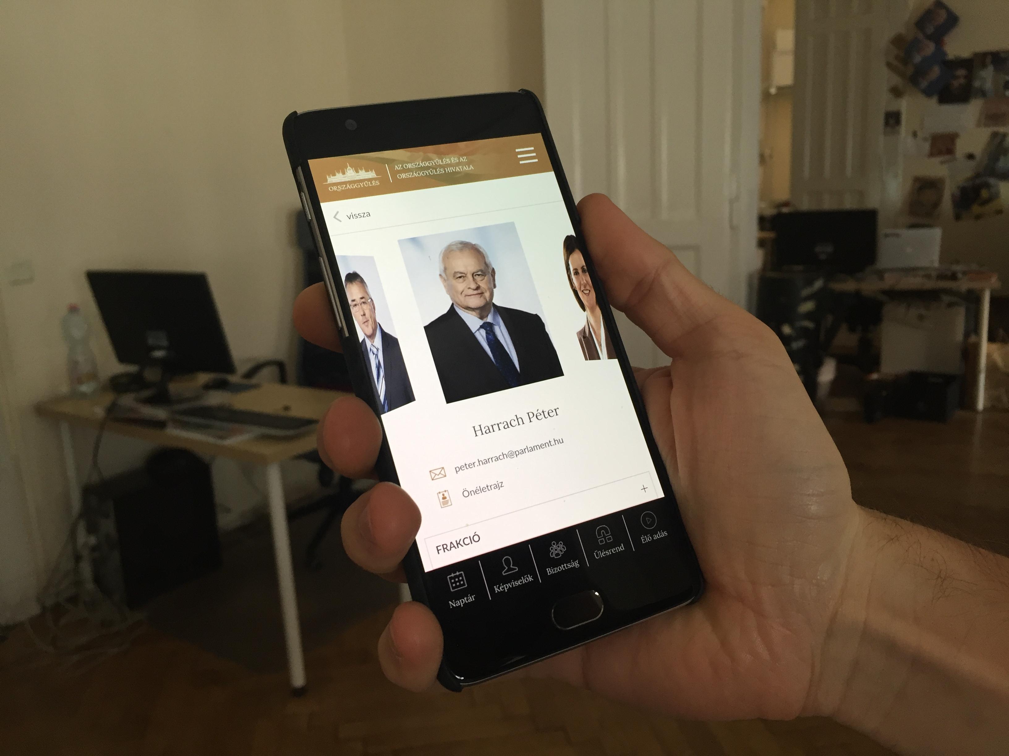 Monor fideszes polgármesterének cége is részt vett az Országgyűlés appjának fejlesztésében