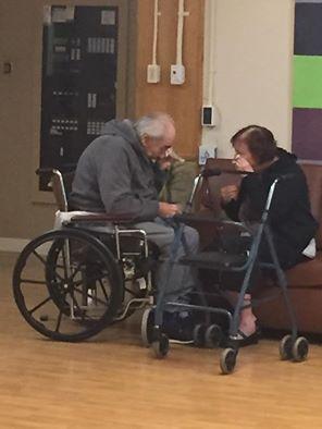 Megrázta a világot a 62 év után egymástól elszakított idős házaspár esete