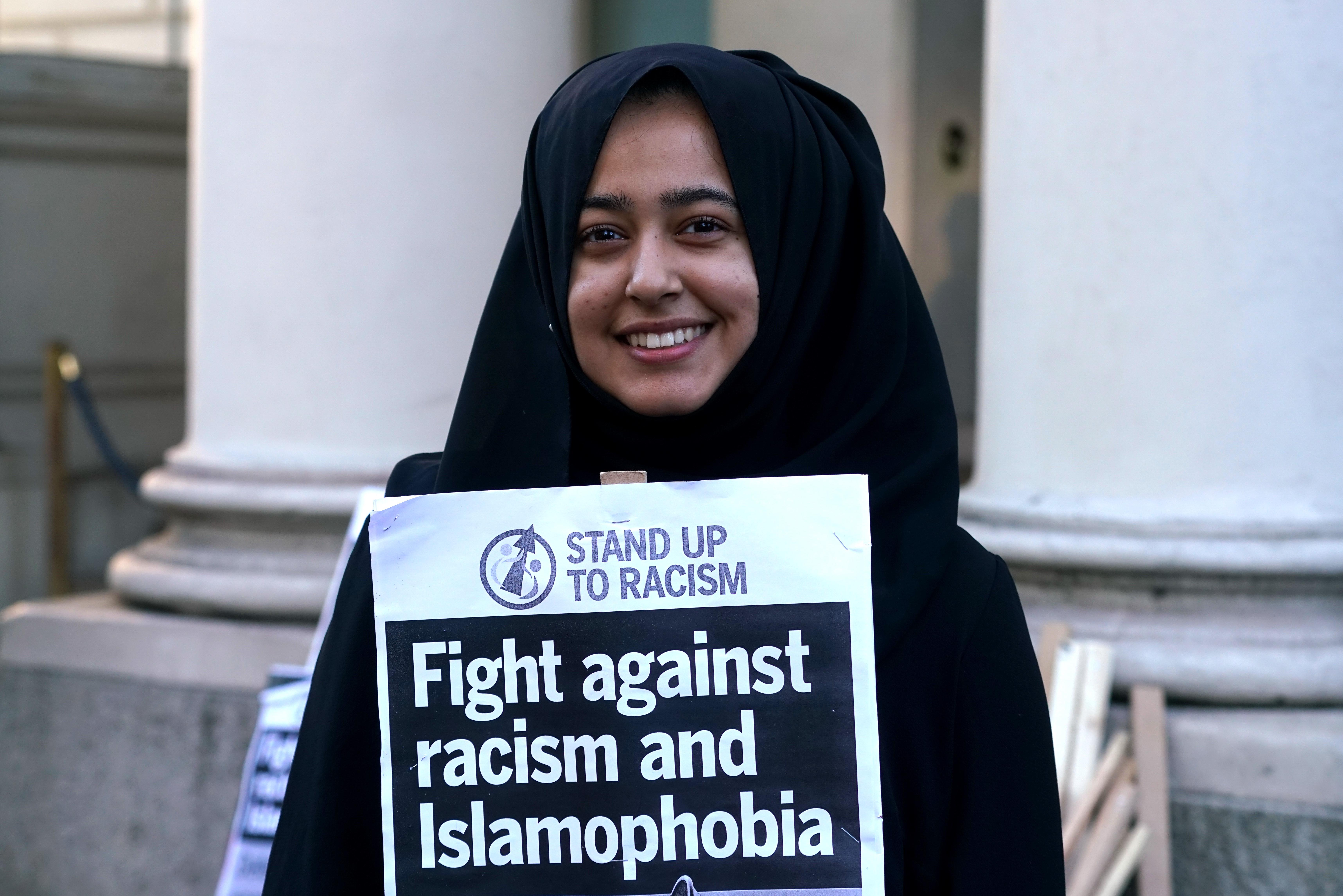 Egy francia vendéglős nem szolgált ki két muszlim nőt