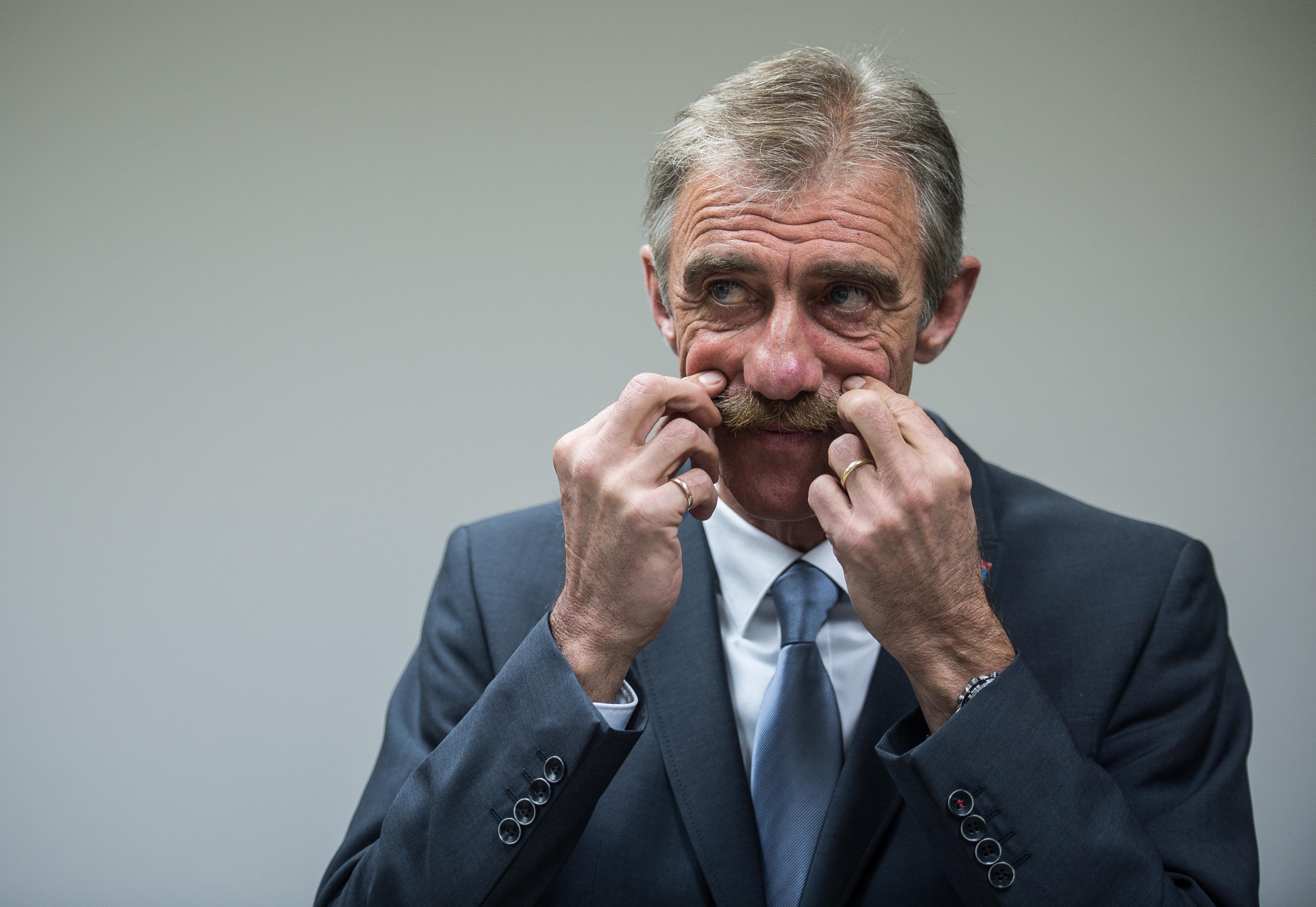 Megvertek egy szélsőjobboldali politikust Németországban