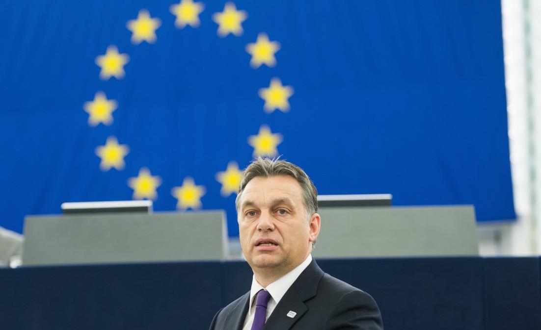 Miközben Orbán az EU-t támadja, a testvére cége pont most kapott 300 millió forintot Brüsszeltől