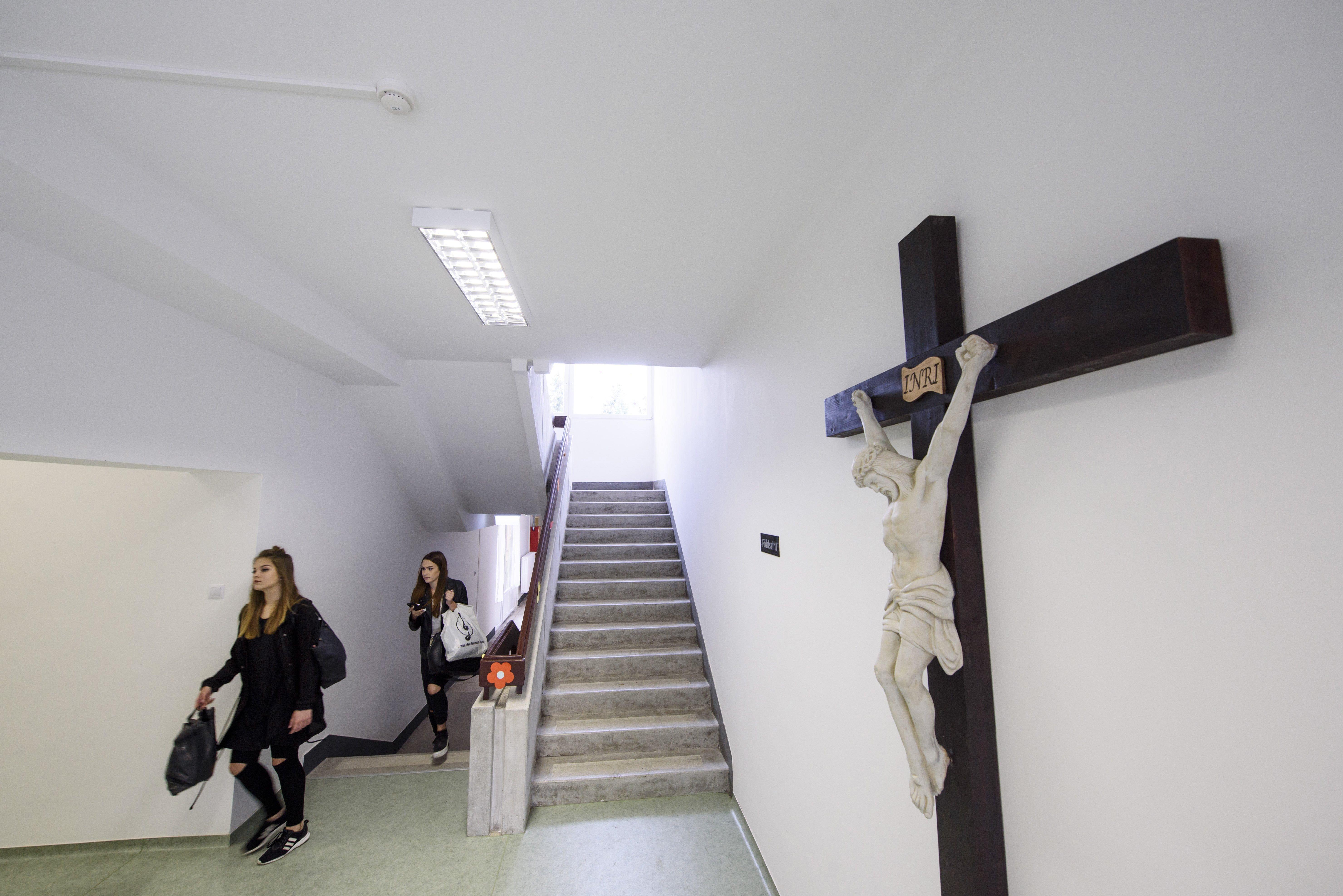 A kormány 2,6 milliárdból építtet katolikus gimnáziumot Veresegyházán