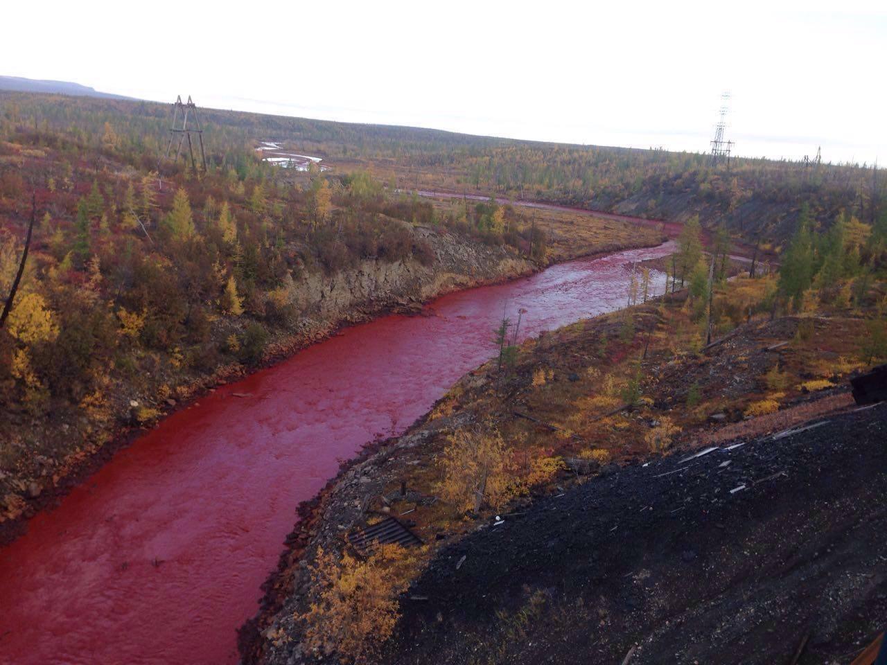 Vérvörössé vált egy szibériai folyó vize