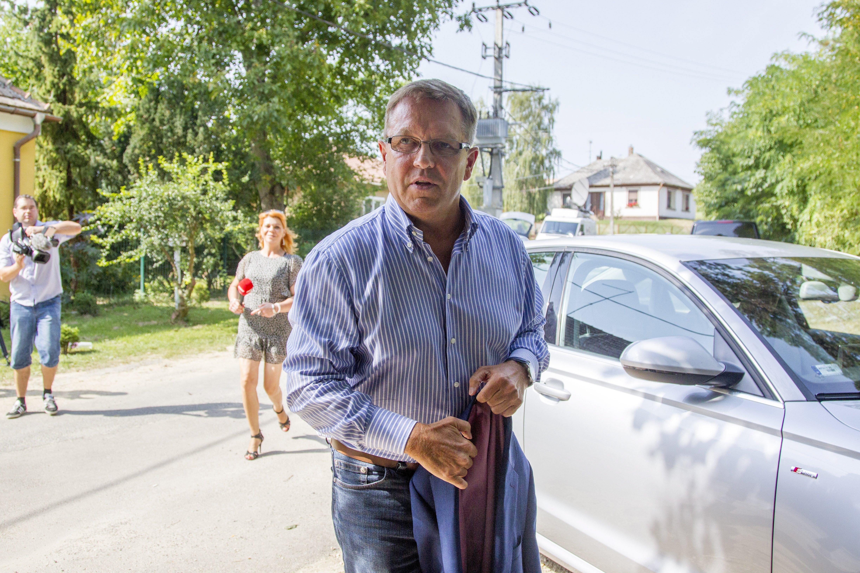 Az általa felügyelt Unicredit bank igazgatójának luxuslakását használja Matolcsy György