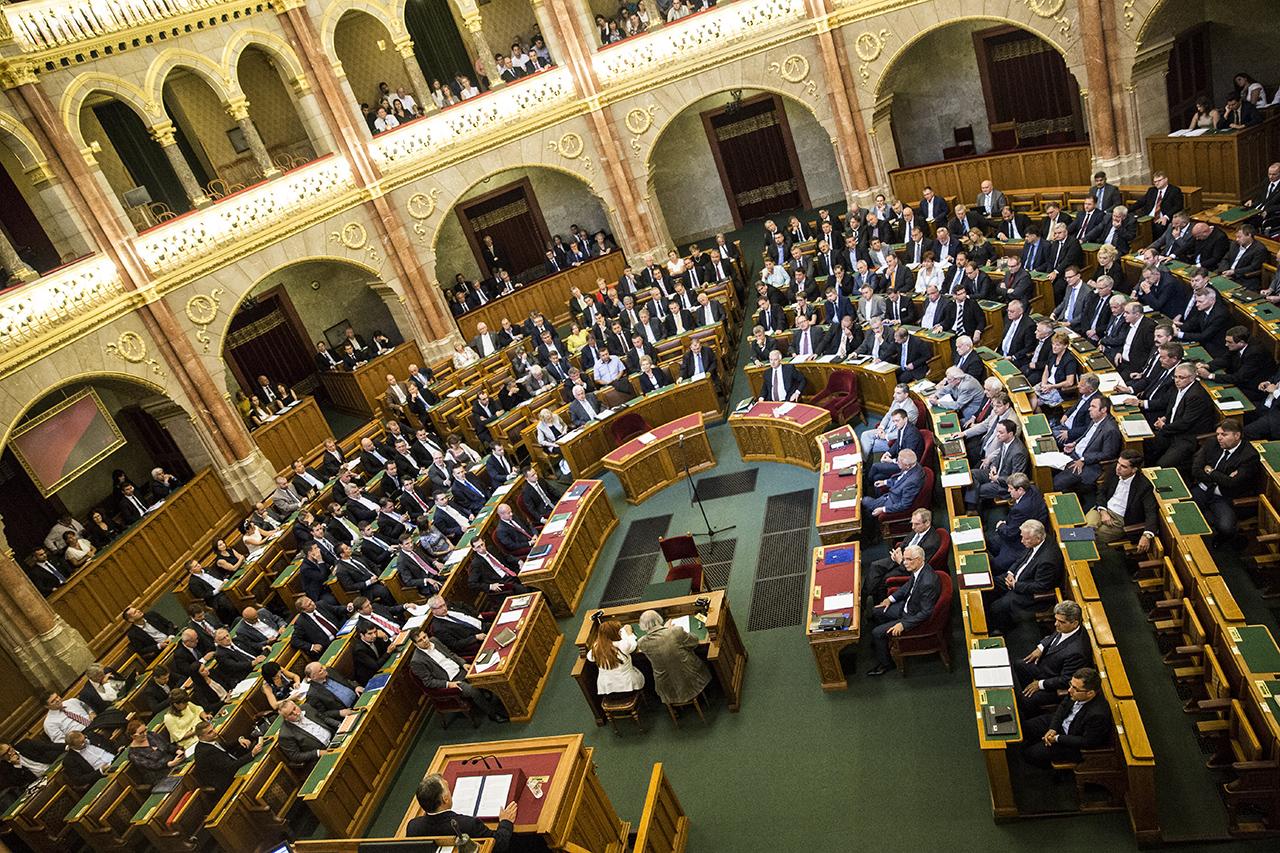 Itt a törvényjavaslat a választási rendszerről: senkinek sem járna több hely, mint amilyen eredményt elért