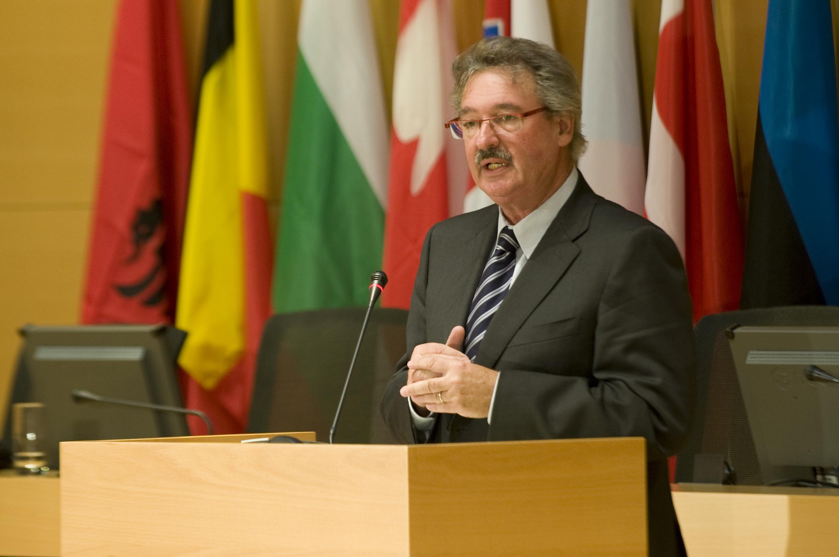 A rákhoz hasonlította az orbáni nacionalizmust a luxemburgi külügyminiszter