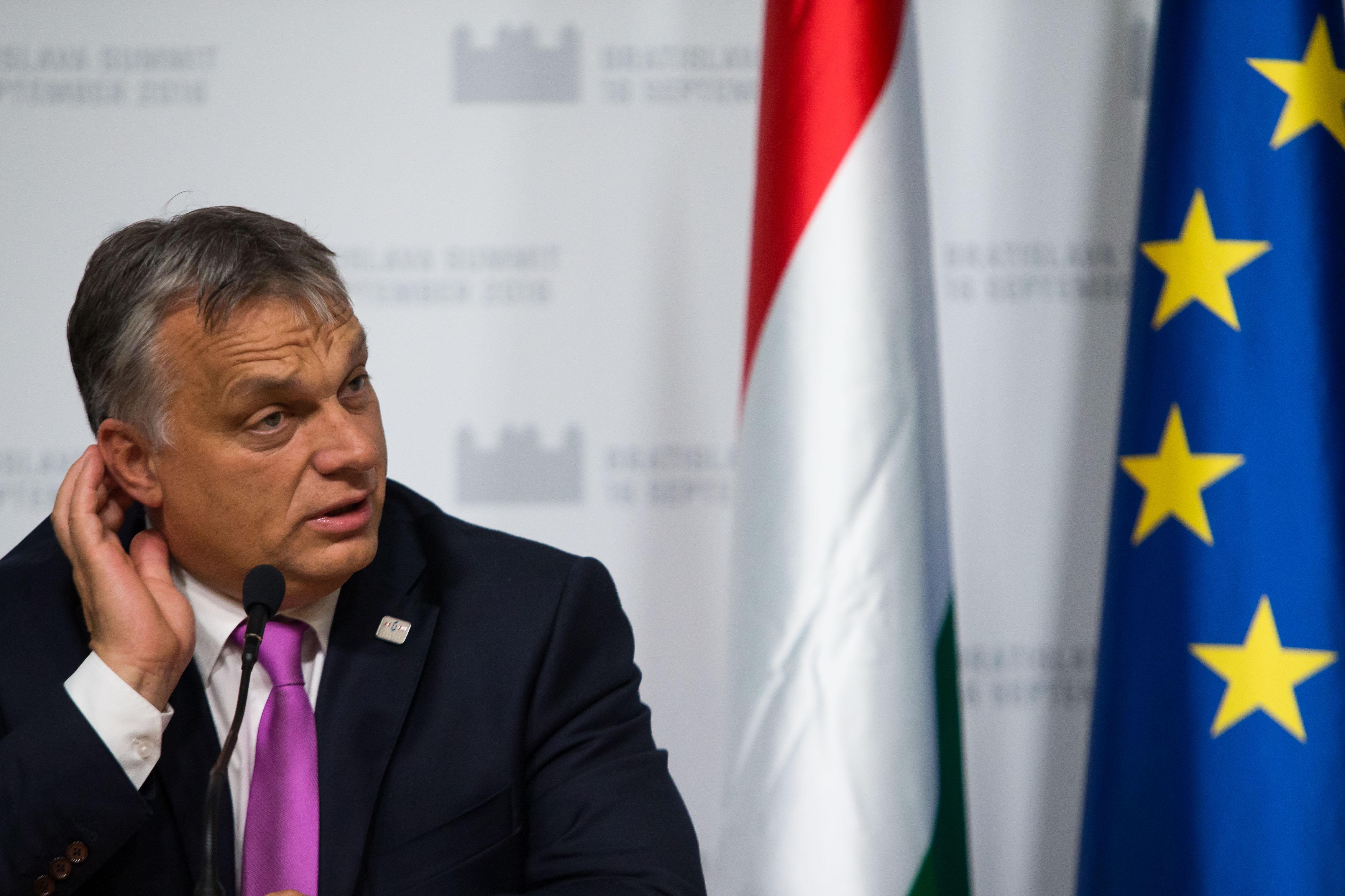 Orbán elmondta, mit csinálnak a szemfényvesztő brüsszeli bürokraták - korábban önmagáról mondta ugyanezt
