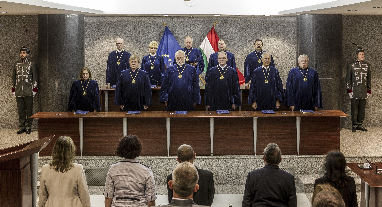 Alkotmánybíróság: Nem alkotmányellenes a rémhírterjesztés szabályozása a különleges jogrendben