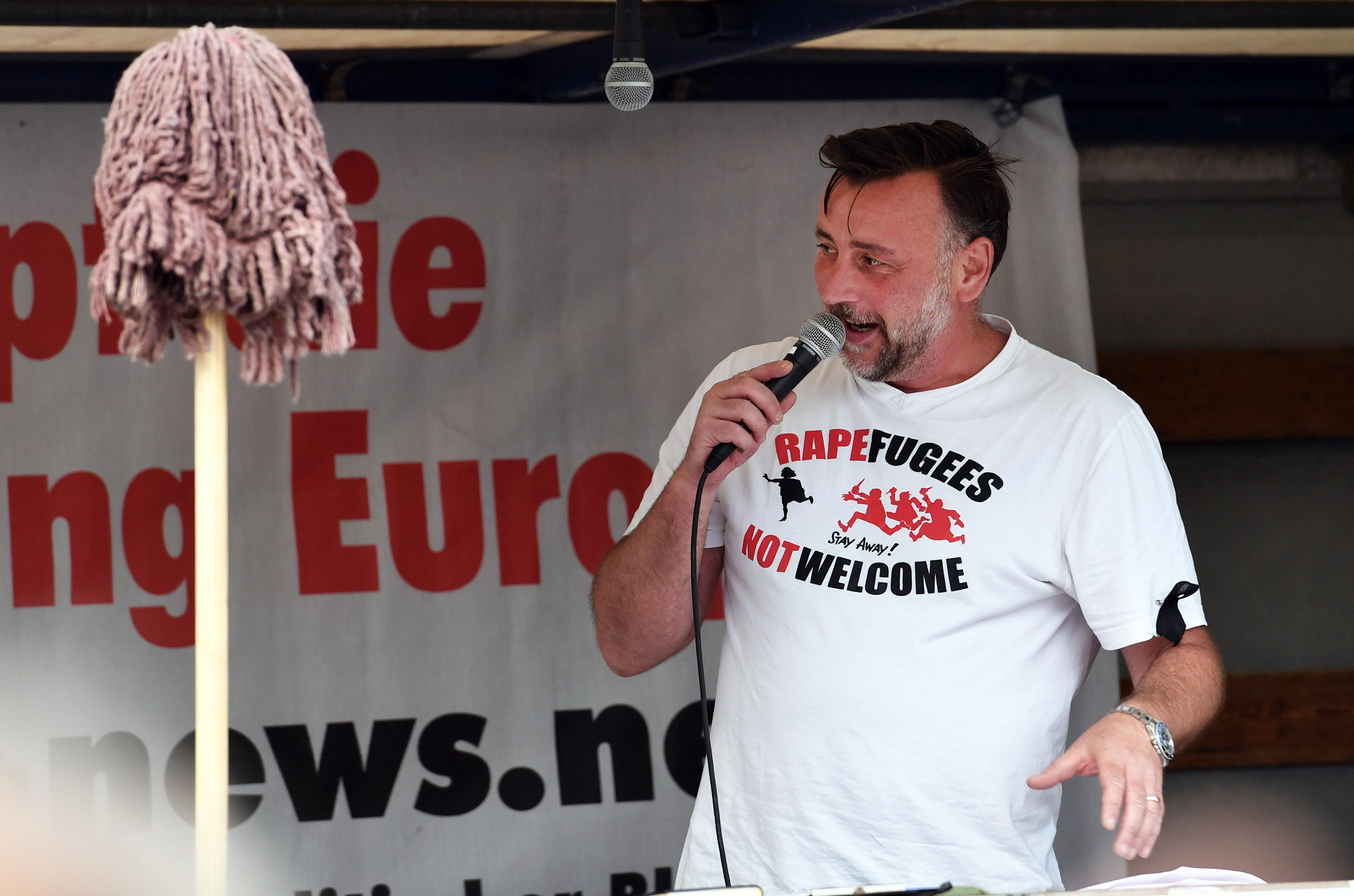 Kivándorolt Németországból a bevándorlásellenes párt alapítója