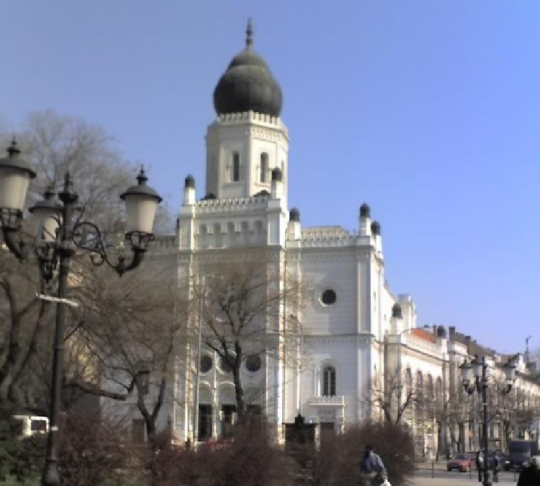 Zsinagógát vehet Matolcsy egyeteme