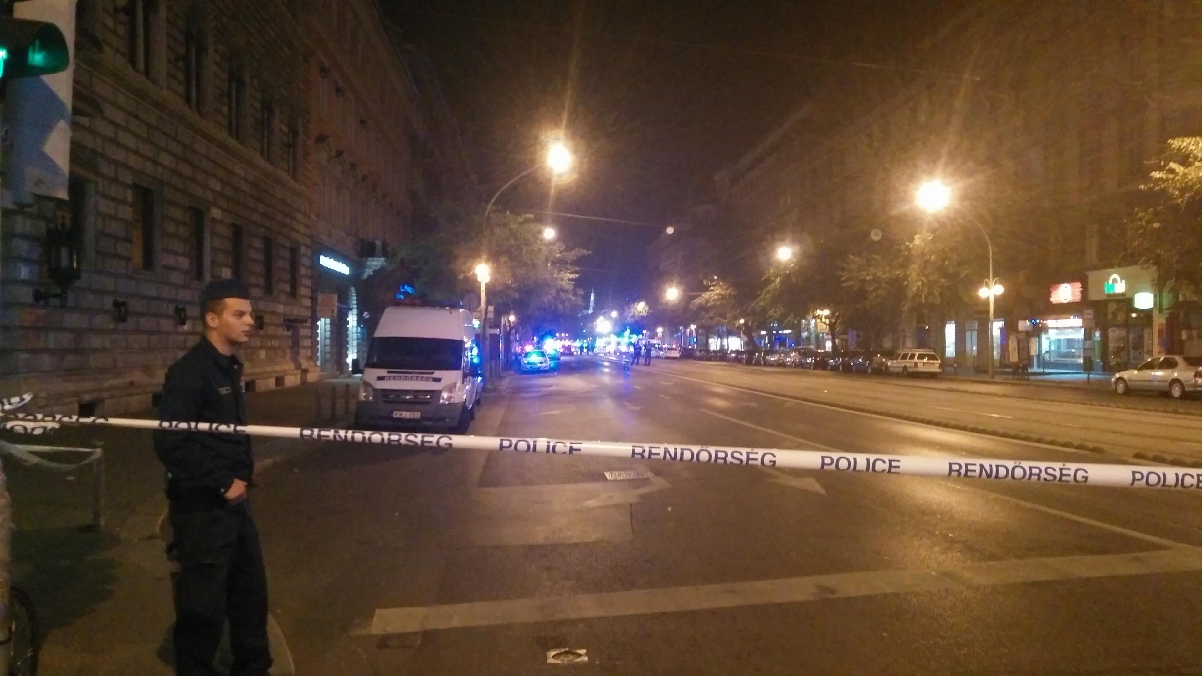 Felrobbant egy üzlethelyiség Király utca és a Teréz körút kereszteződésénél