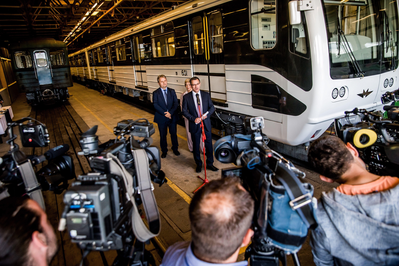 A BKV vezérigazgatója szerint időzavarba kerültek az oroszok, ezért ette meg a rozsda a hármas metrót