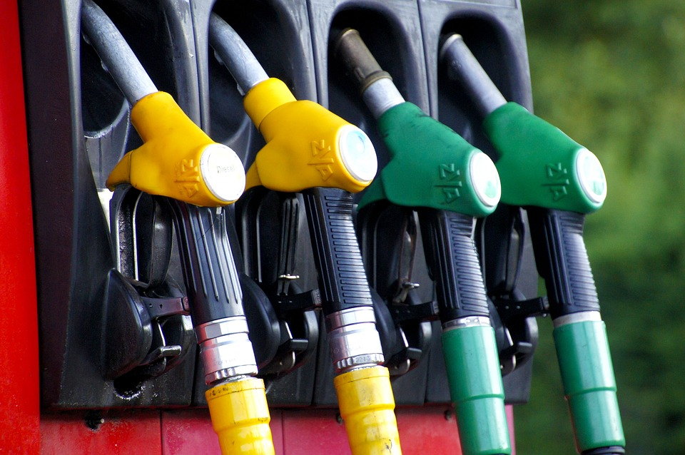 Kilenc éve nem volt ilyen drága a benzin