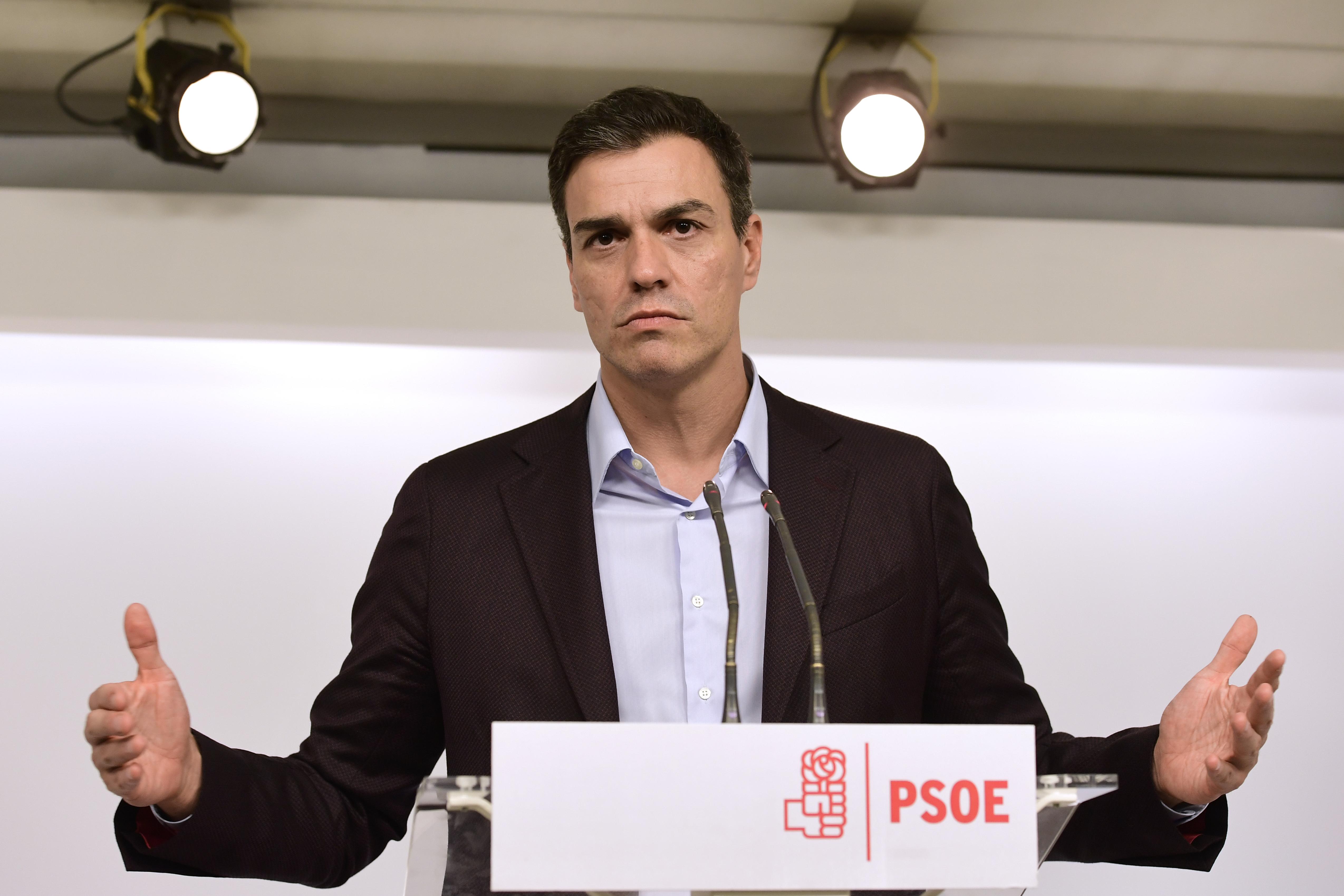 Letette az esküt a spanyolok új, szocialista miniszterelnöke