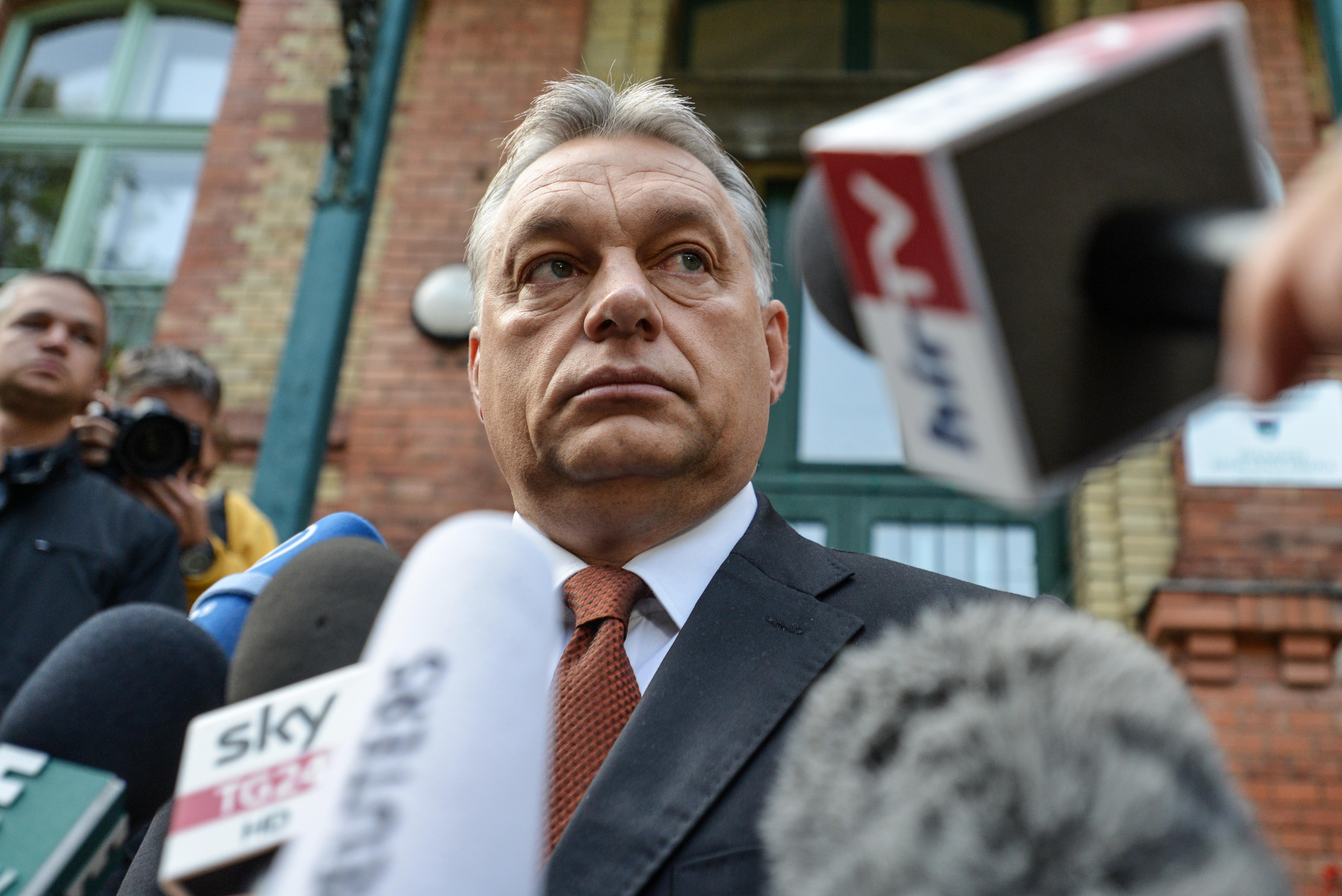 Orbán úgy szerzi meg a Népszabadság kiadóját, hogy mással végezteti el a piszkos munkát