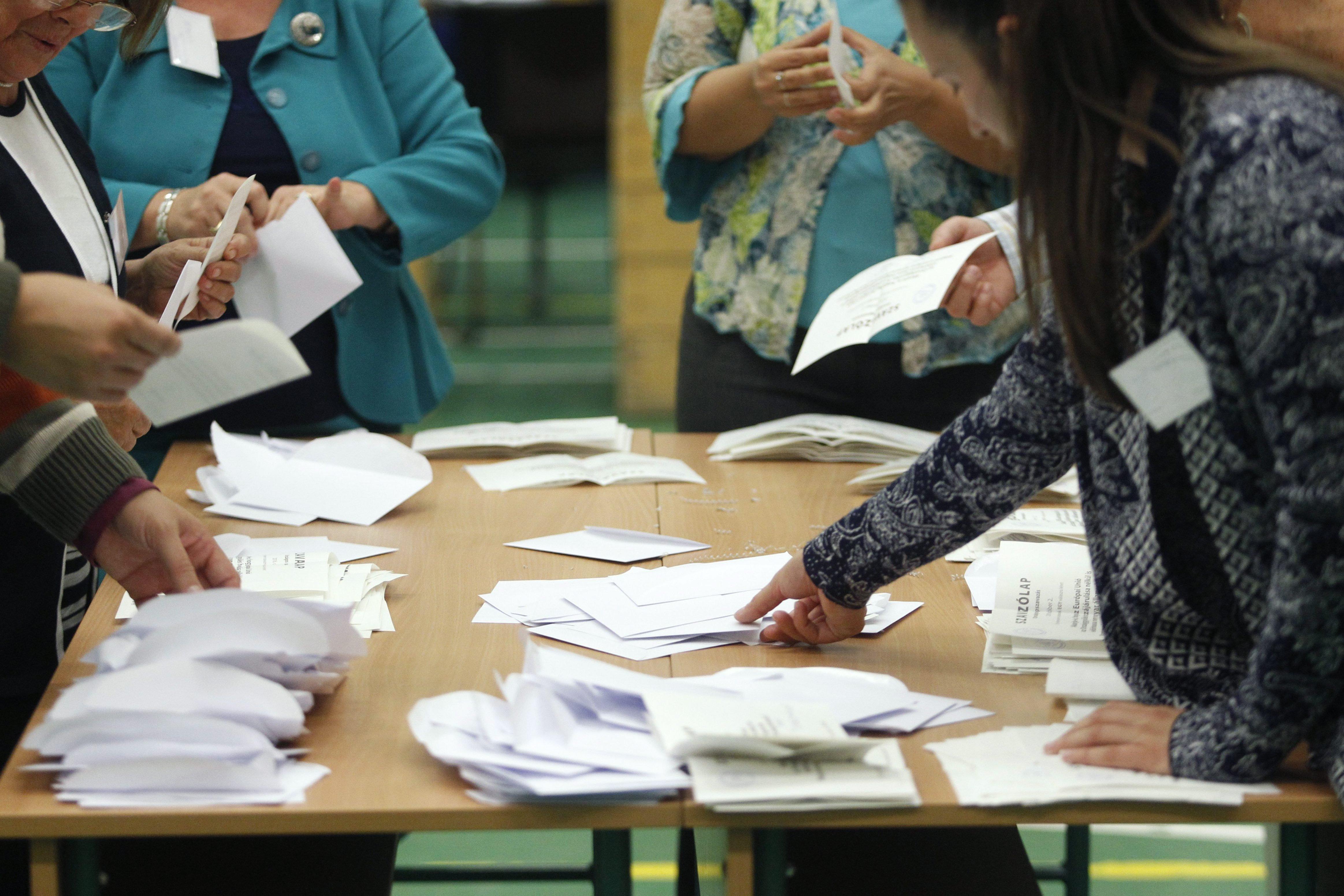 Az NVI pont egy órával előtte szólt a pártoknak, hogy betekinthetnek a választási informatikai rendszerbe