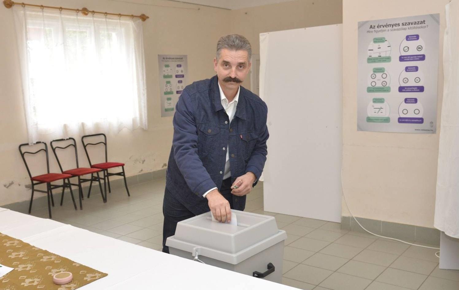 Egyetlen főfideszes tudott csak érvényes szavazást rittyenteni a választókerületében