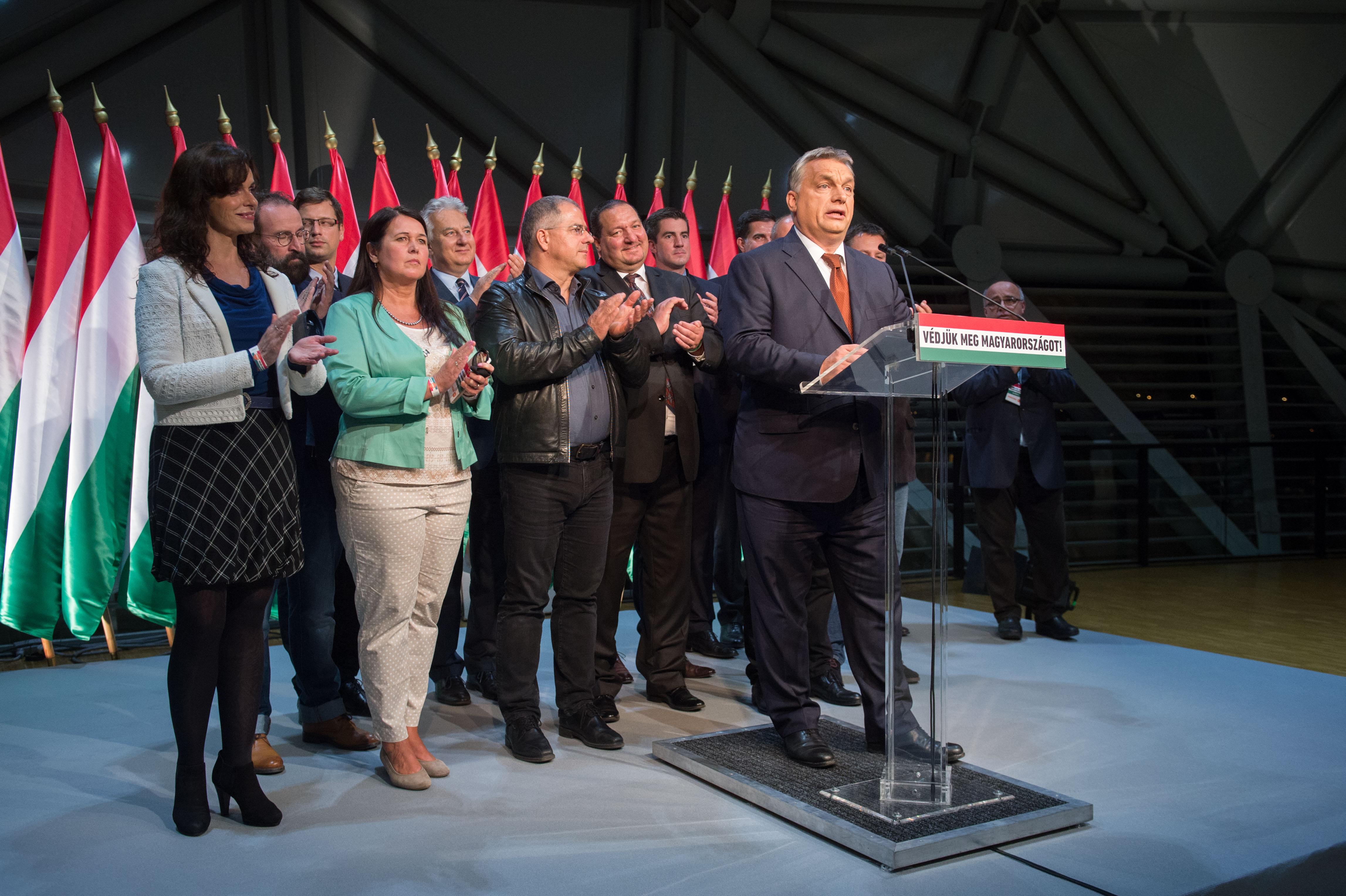 Időgép: Ez volt az a 2016-os népszavazás, amire Orbán szerint a most bejelentett hasonlítani fog