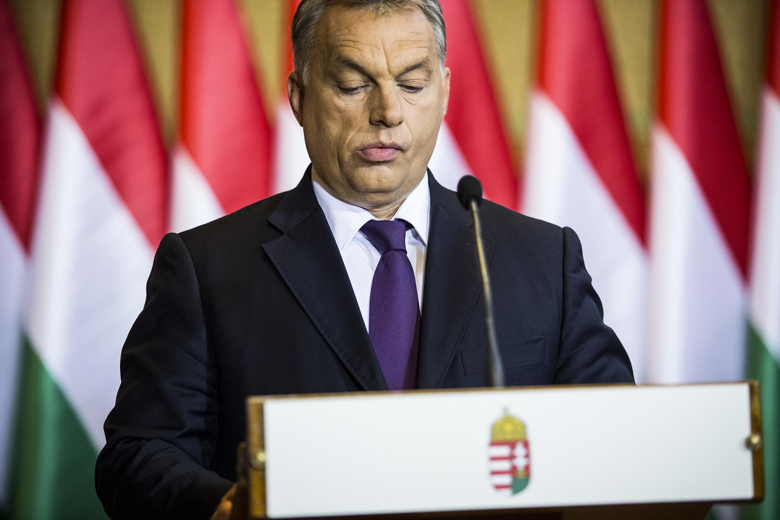 Orbán-Vona csúcs lesz az alaptörvény-módosításról