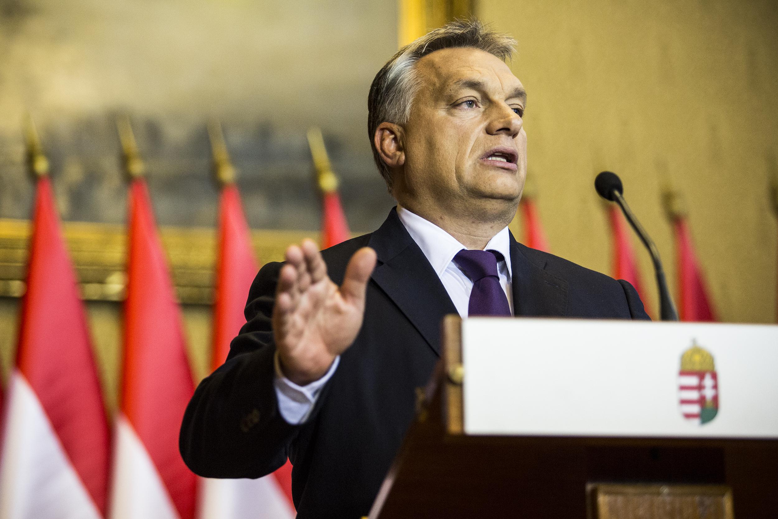 Financial Times: Orbán a leghatékonyabb kritikusainak, a civileknek esik neki
