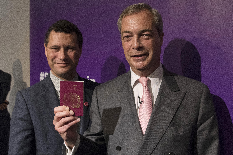 Súlyos állapotban szállítottak kórházba egy UKIP-es EP-képviselőt, nem sokkal azután, hogy párttársa megütötte
