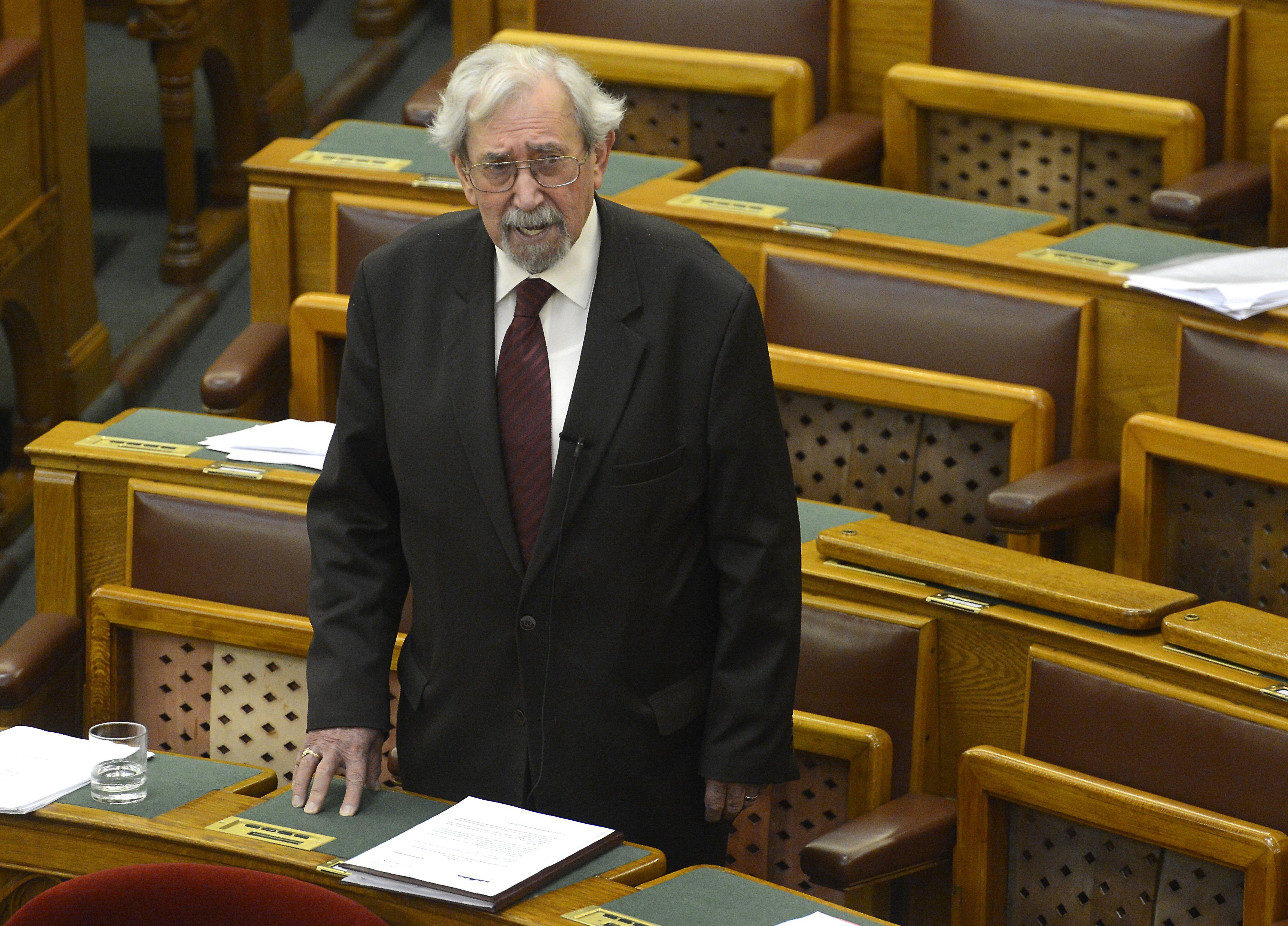 Meghalt Rubovszky György