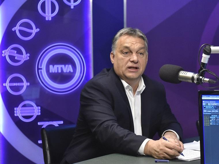 Orbán azt mondja, lehet, hogy megszüntetik a letelepedési kötvényt, de nem azért, mert a Jobbik ezt akarja, hanem azért, mert a Fidesz is épp ezt akarja